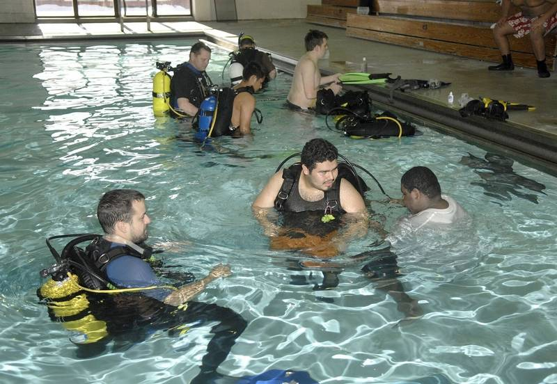Scuba Program Buoys Local High School Students