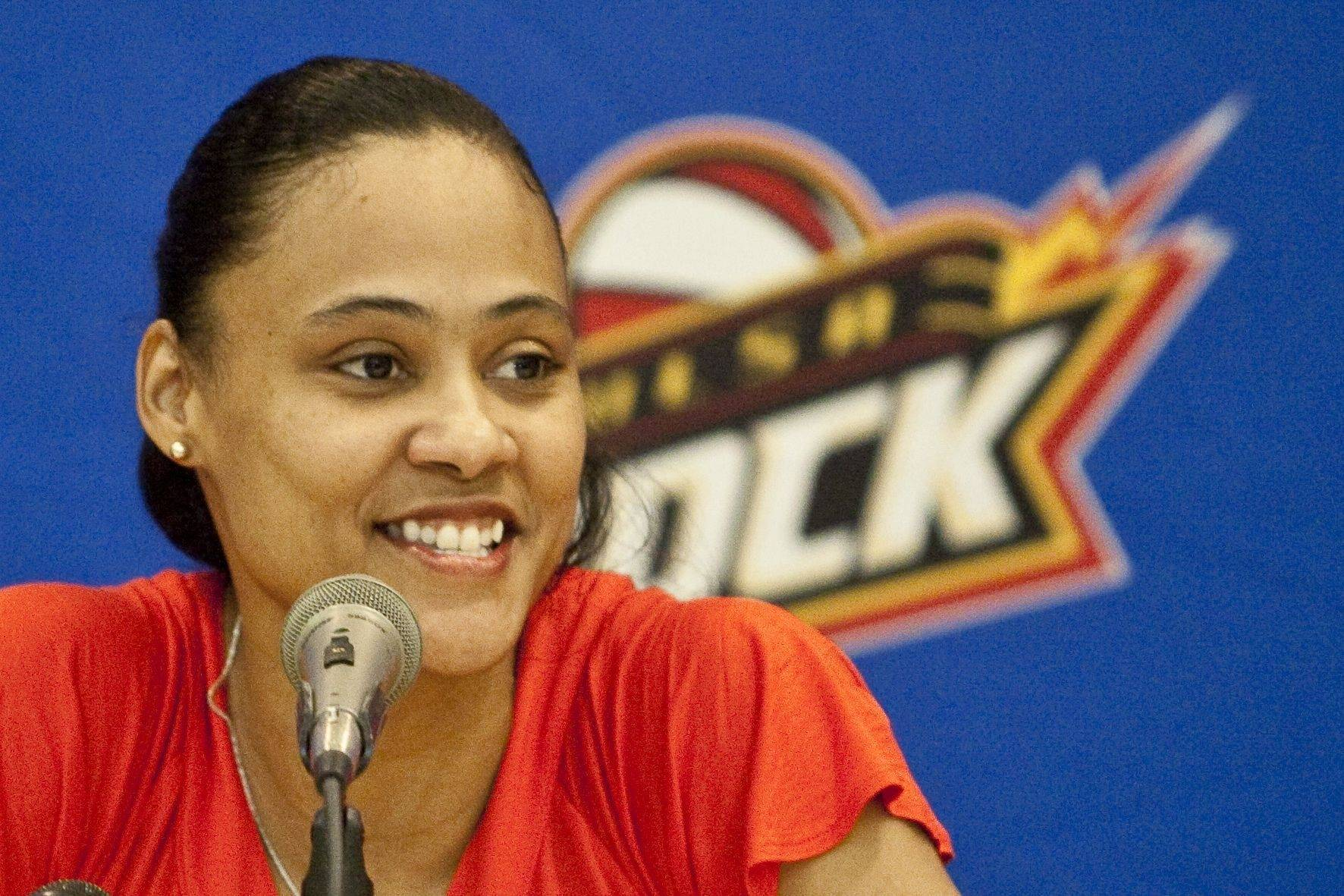 Former sprinter Marion Jones has signed to play WNBA basketball with the Tulsa Shock. The former Olympic sprint played basketball for North Carolina.