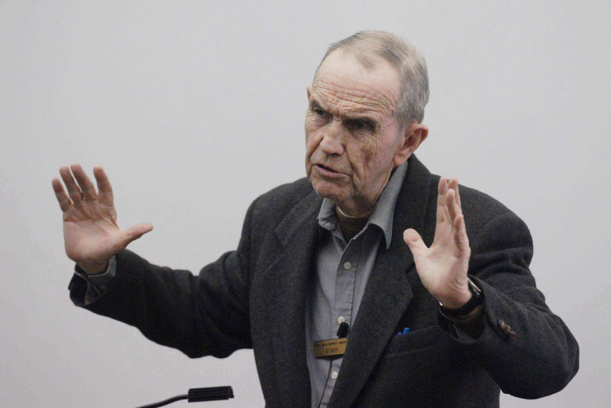 "Veteran broadcast journalist John ""Bulldog"" Drummond spoke about his career covering the big stories to a group at the Lake Villa District Library Thursday."
