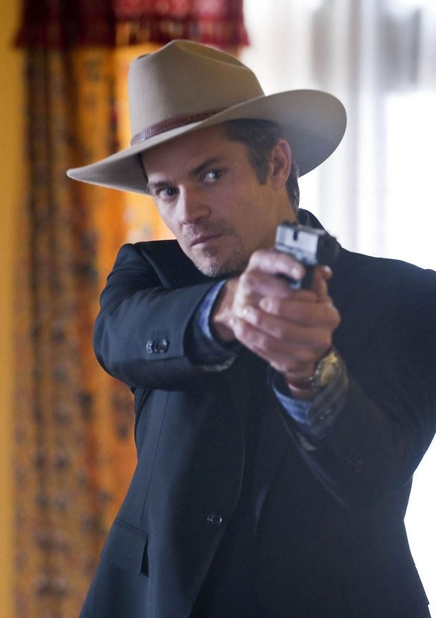Olyphant's 'Justified' starting out with a bang