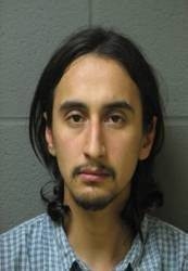 Elgin man charged with breaking infant's legs