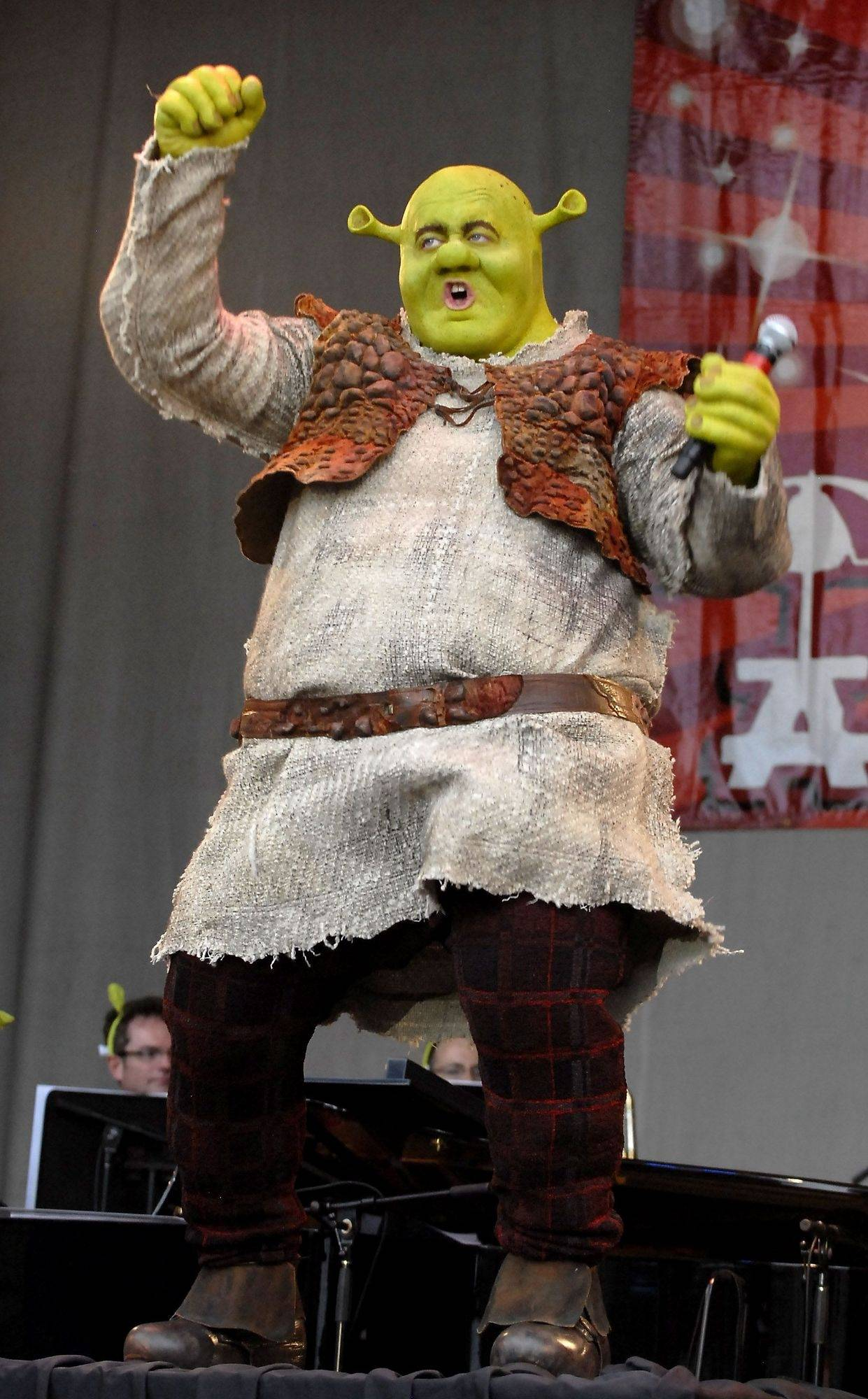 Carol Stream native steps into title role in 'Shrek the Musical'