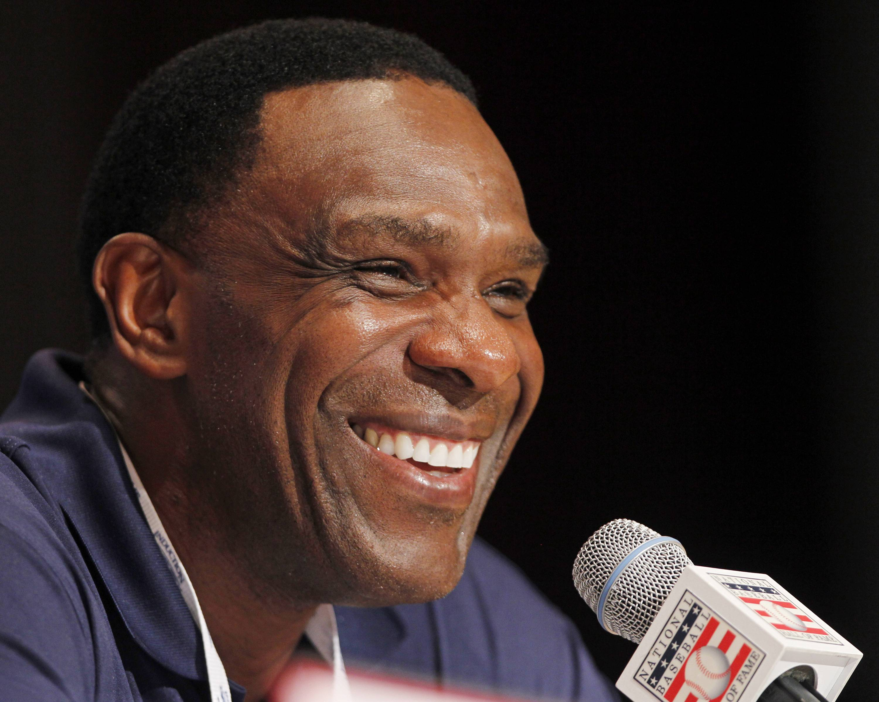 It's official: Andre Dawson inducted into the Hall