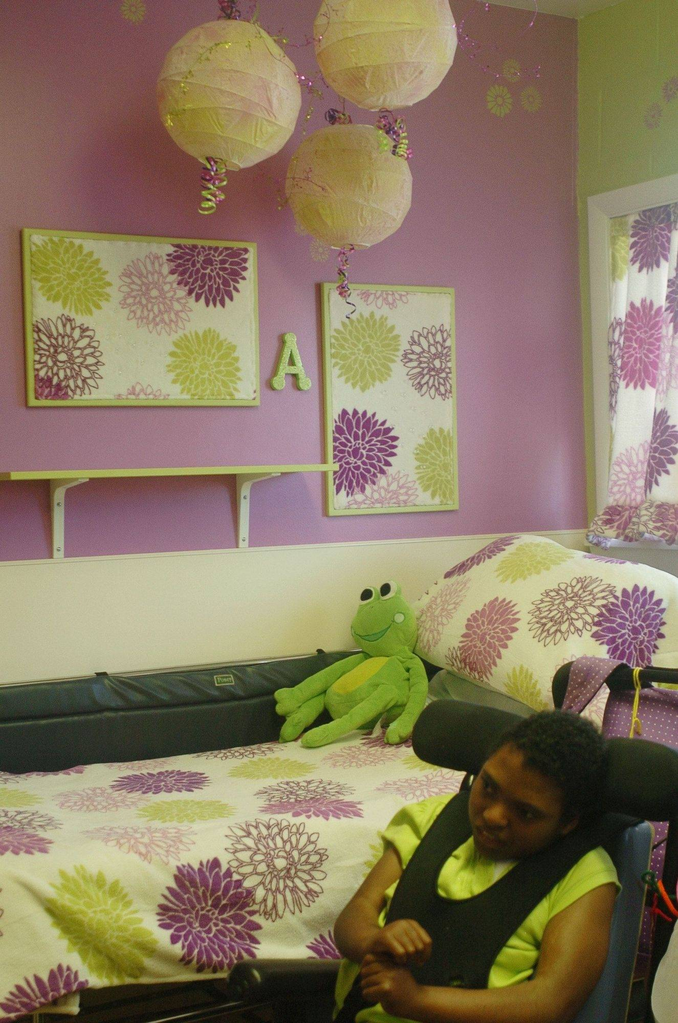 Bright colors can perk up the mood of residents at Little Angels in Elgin. Volunteers from the Chicago and Suburban chapter of the Interior Design Society decorated two rooms and are going to do more.