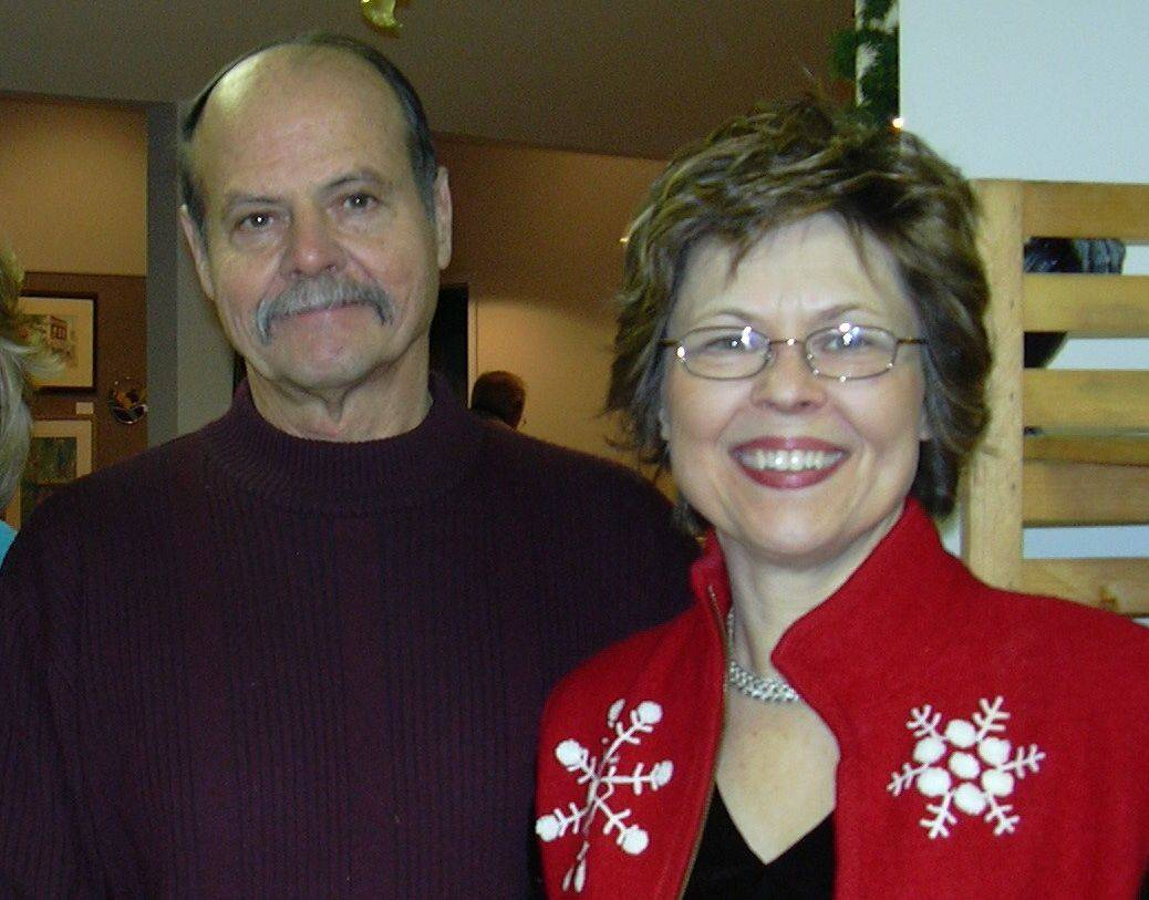 Lloyd and Maureen McKee survived a plane crash Wednesday in Naperville when the plane Lloyd McKee was piloting crashed into a fitness center on the city's southwest side.