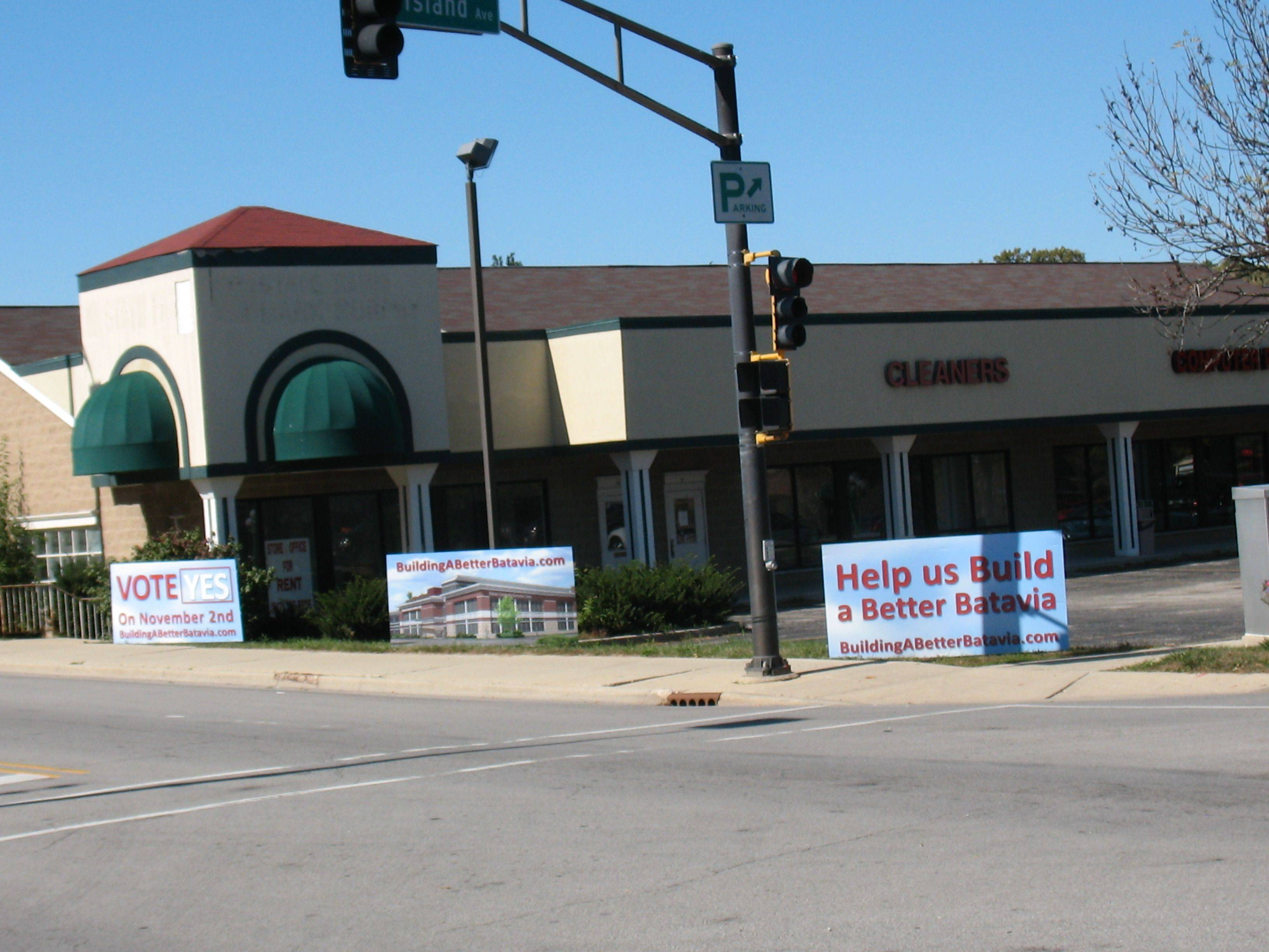People in favor of a new recreation center in Batavia have let their feelings be known with signs in the downtown area.