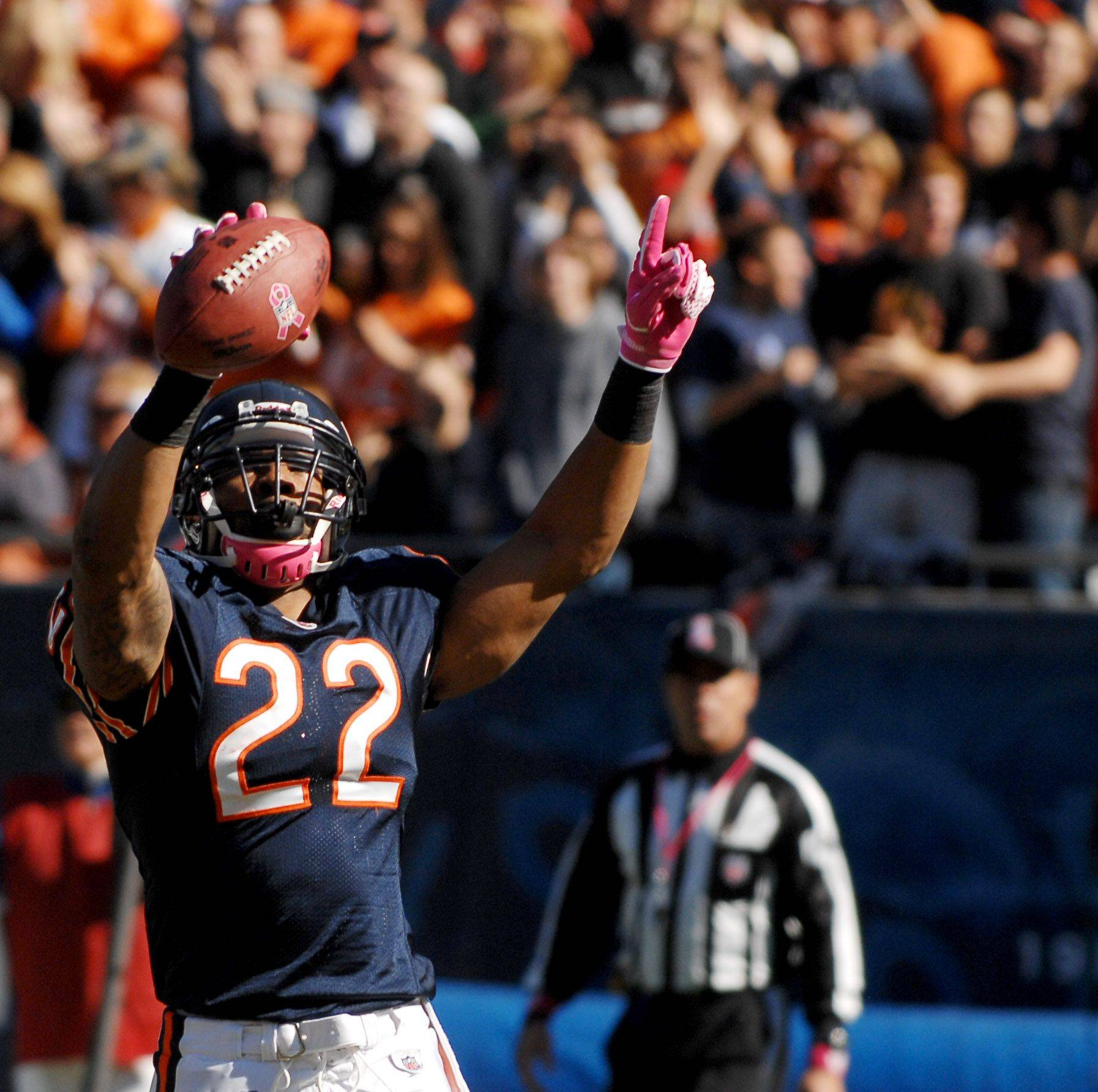 Chicago Bears running back Matt Forte celebrates his first quarter touchdown run.