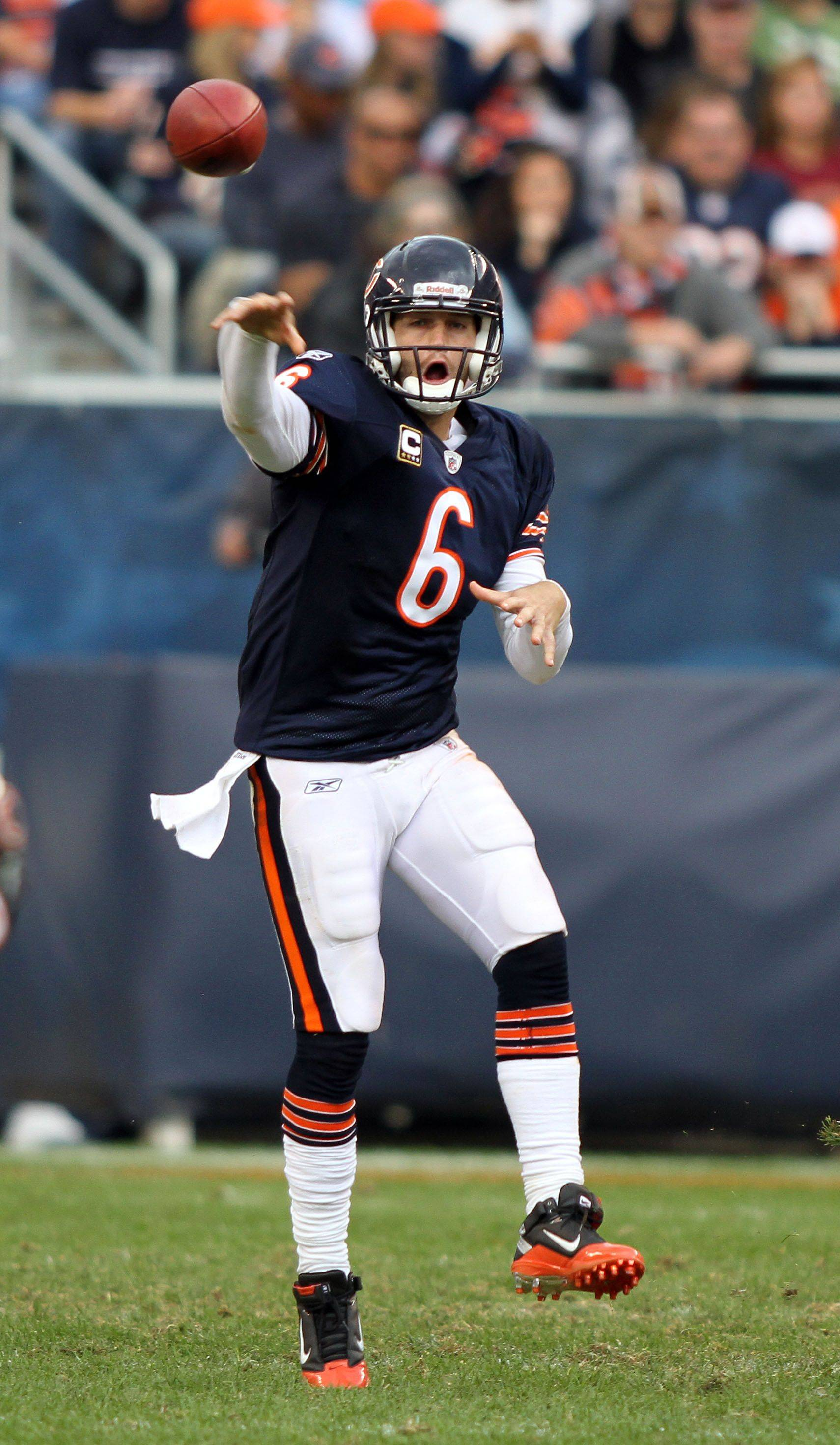 Chicago Bears quarterback Jay Cutler throws during the Bears' 14-17 loss to the Redskins.