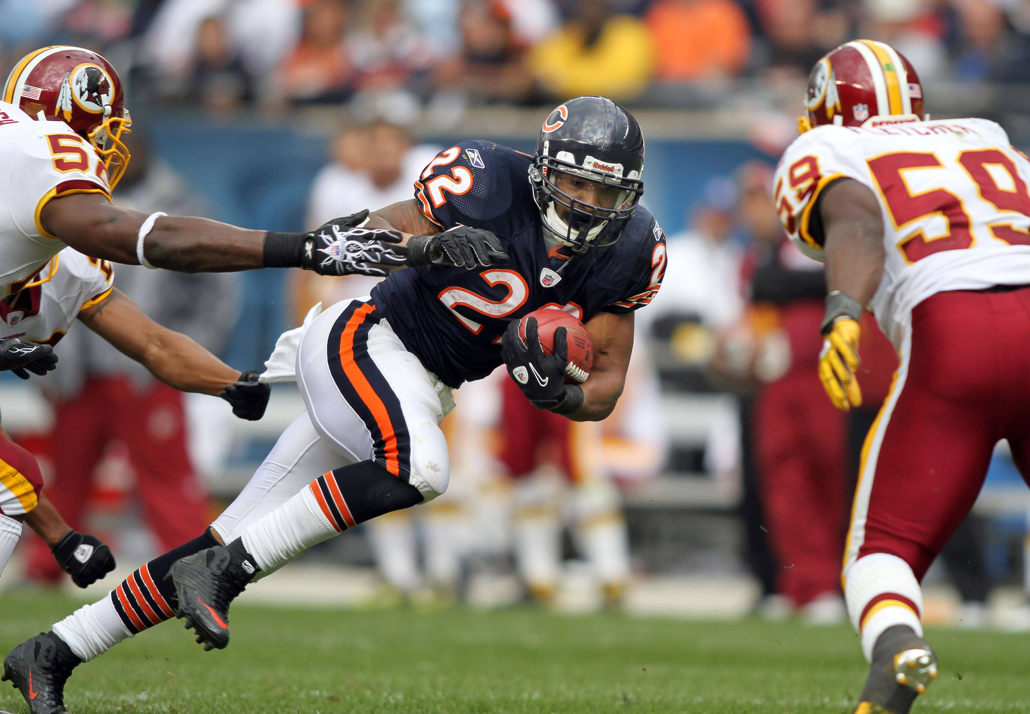 Chicago Bears running back Matt Forte runs during the Bears' 14-17 loss to the Redskins.