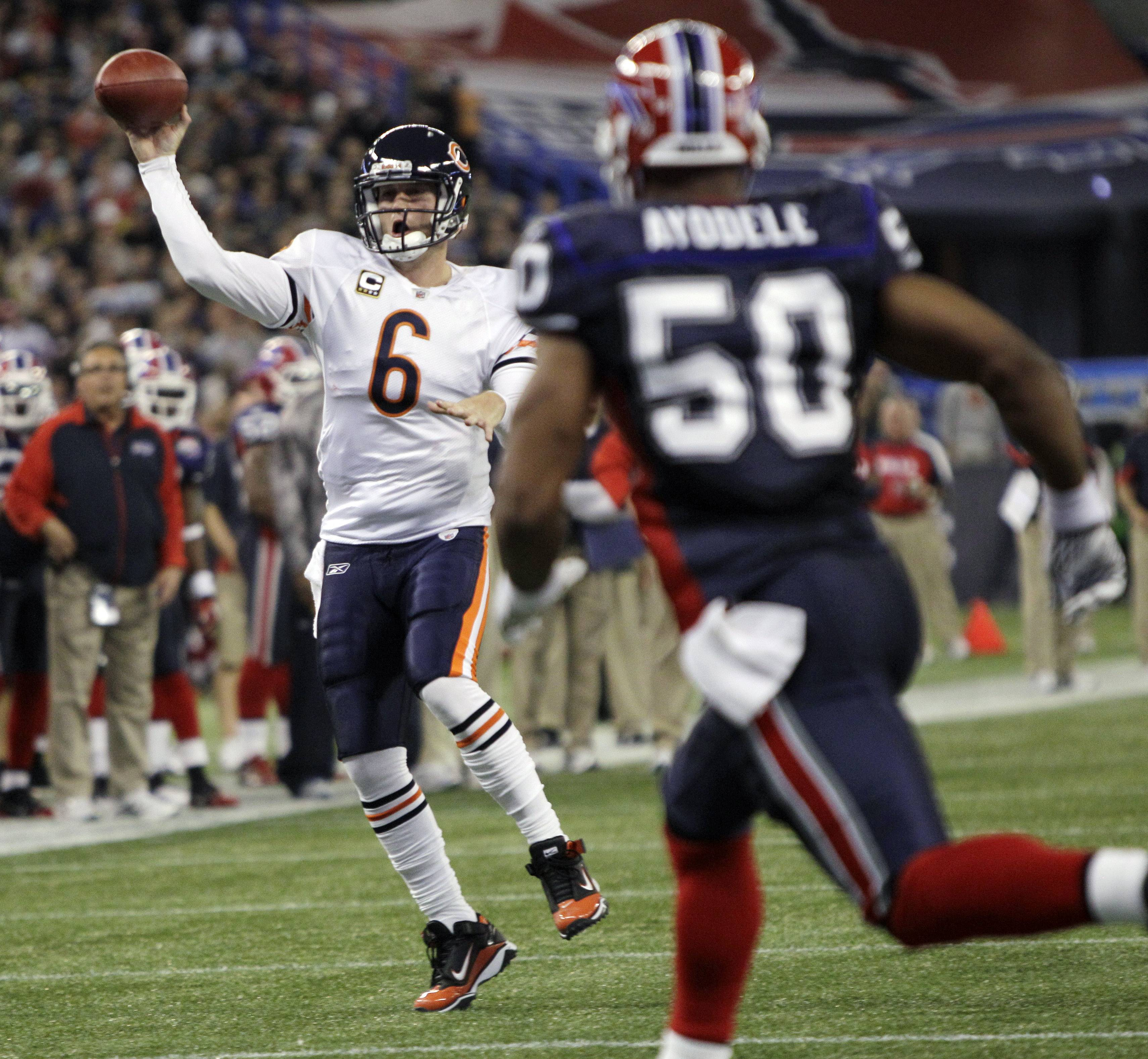 Jay Cutler threw two touchdown passes, including one to Earl Bennett late in the fourth quarter to keep the Buffalo Bills winless through eight games and give the Chicago Bears a 22-19 victory Sunday.
