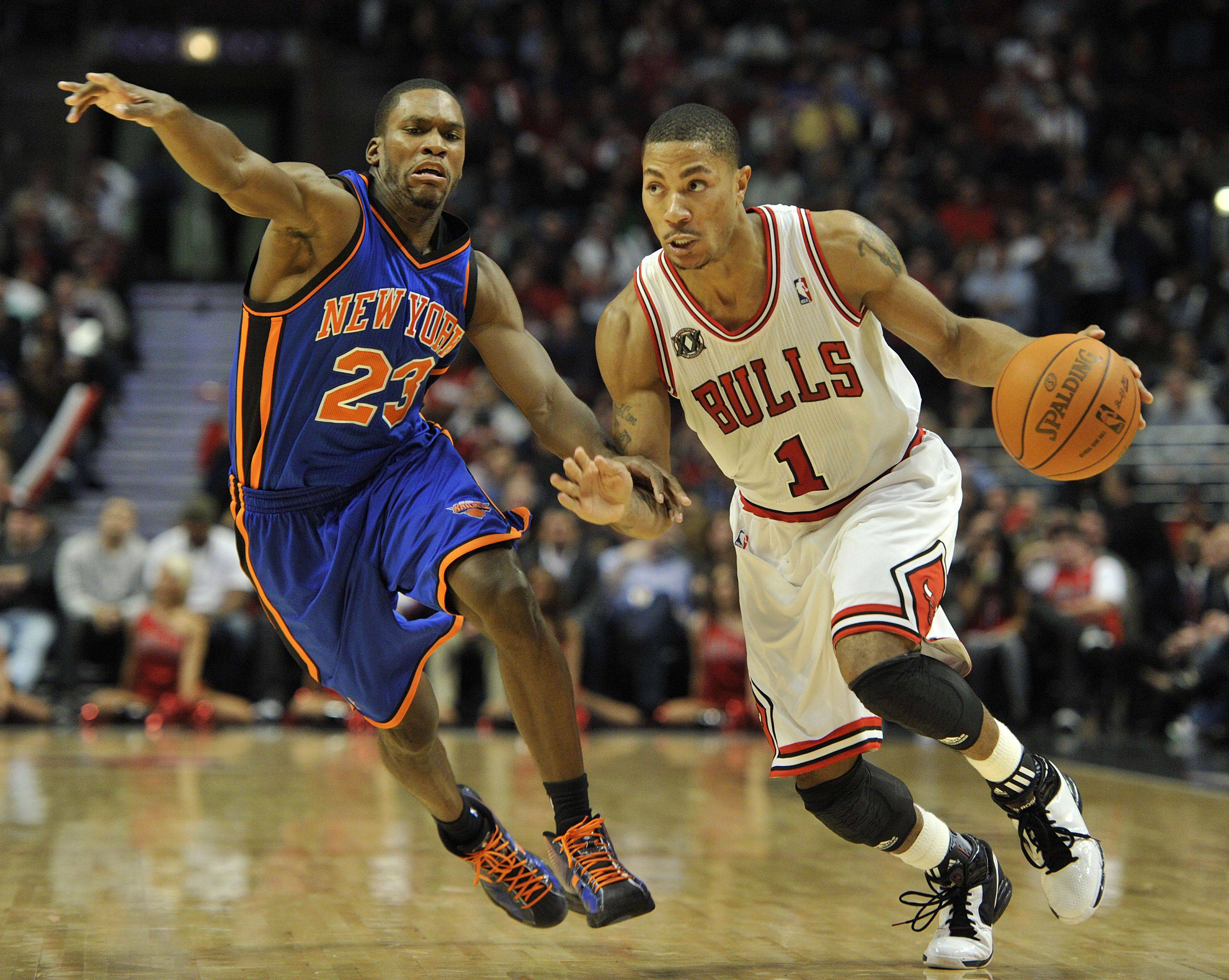 Derrick Rose, driving to the basket past the Knicks' Toney Douglas on Thursday, wants to be the player his team can count on in the closing seconds.