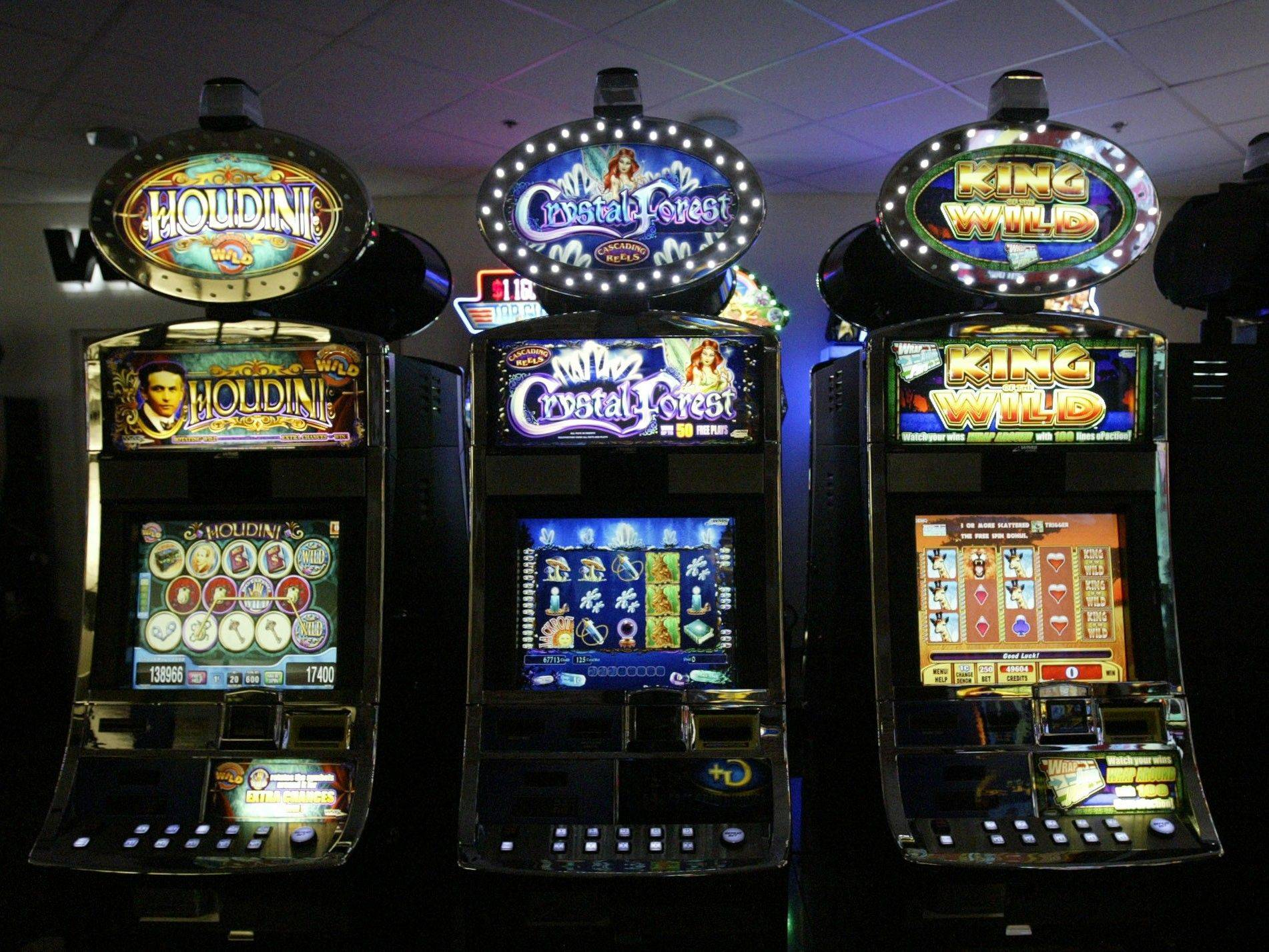 Slot machines like those at WMS in Chicago could be coming to Arlington Park, under a new proposal that would allow a massive expansion of gambling in Illinois.