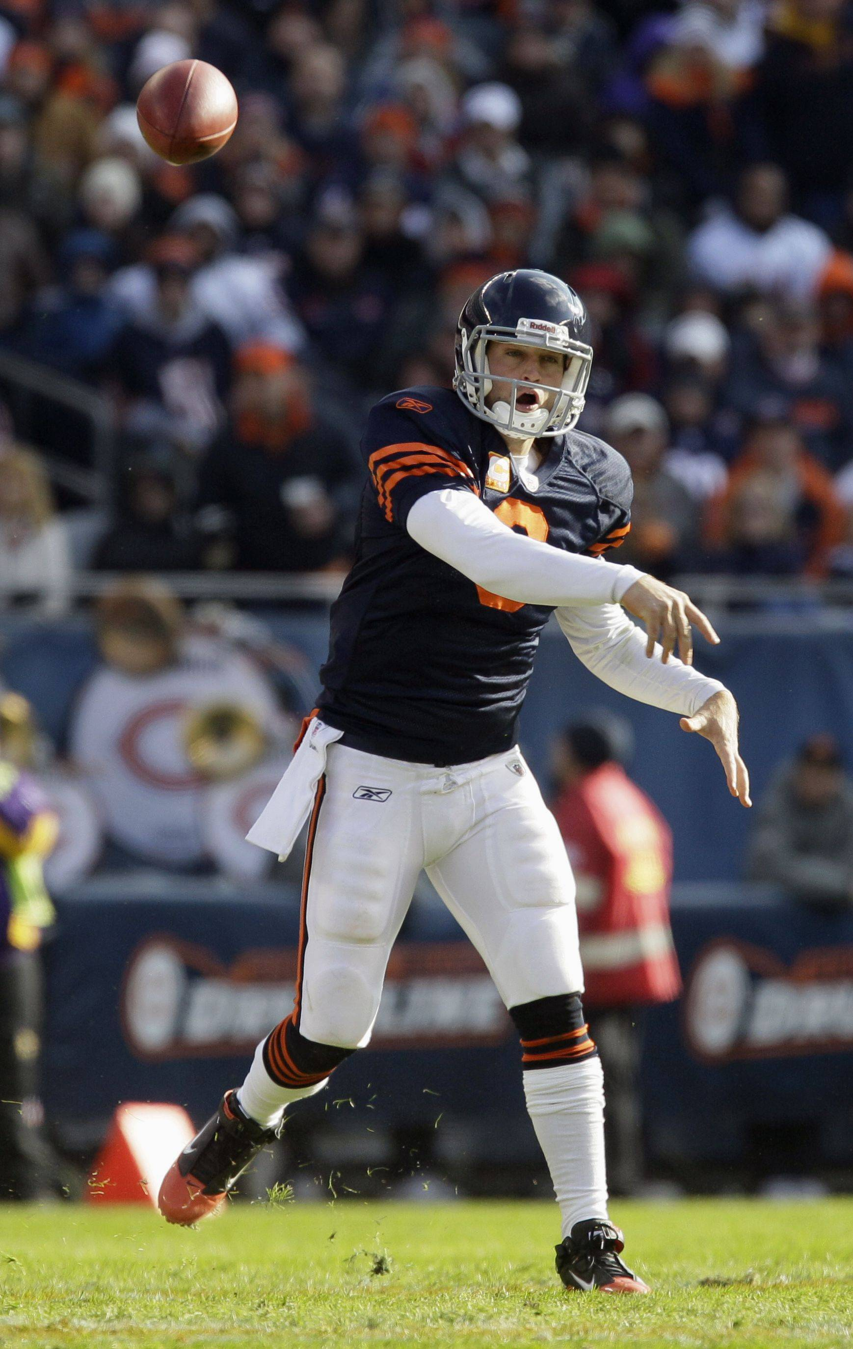 Cutler uses mobility to frustrate Vikings