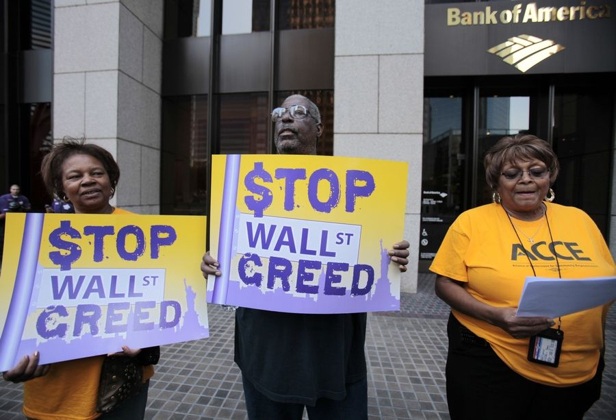 Foreclosure-fraud class action lawsuits are starting to pile up against major banks across the country, threatening a besieged industry with billions more in potential losses.