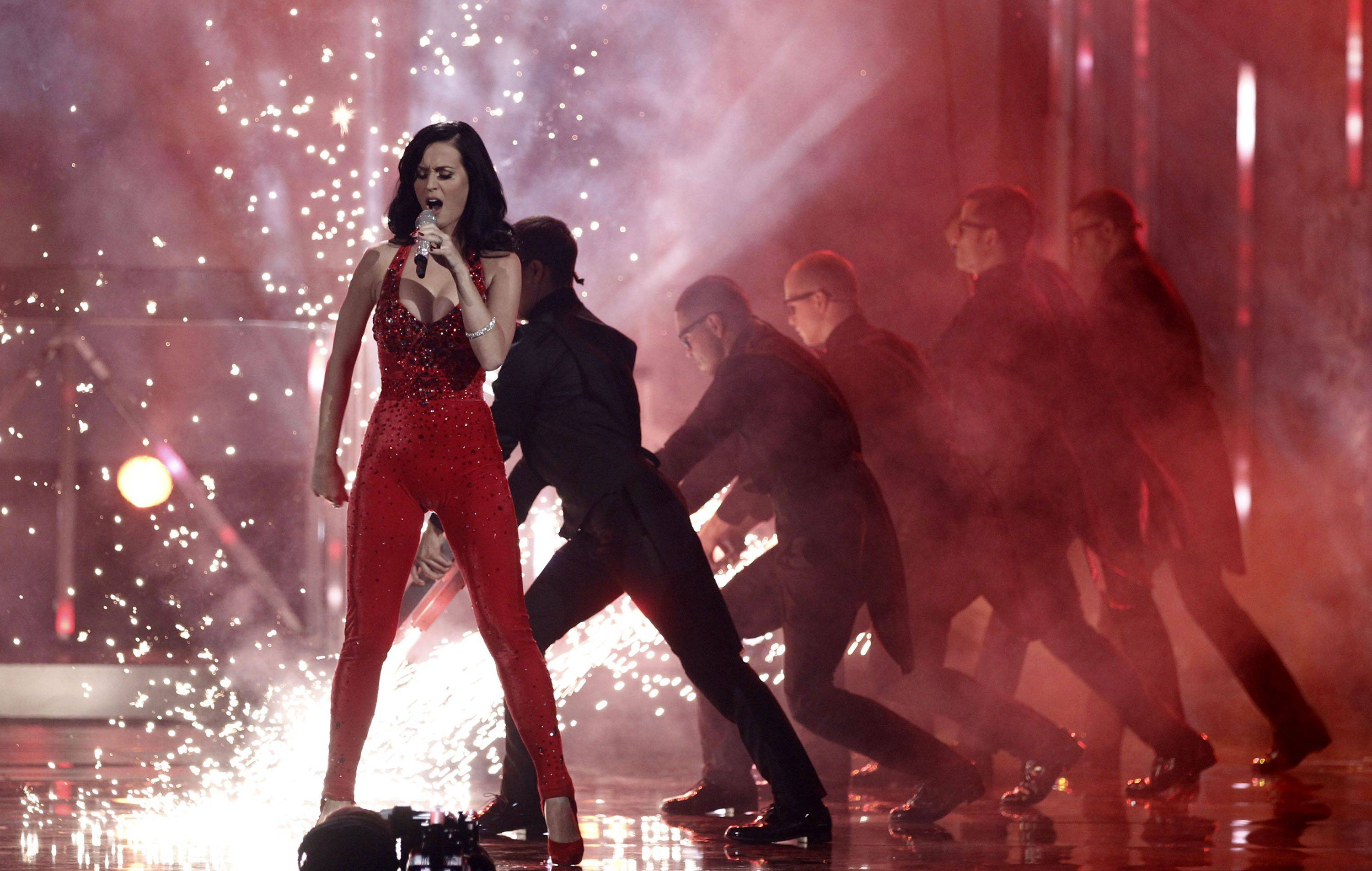 "Katy Perry performs ""Firework"" at the 38th Annual American Music Awards."