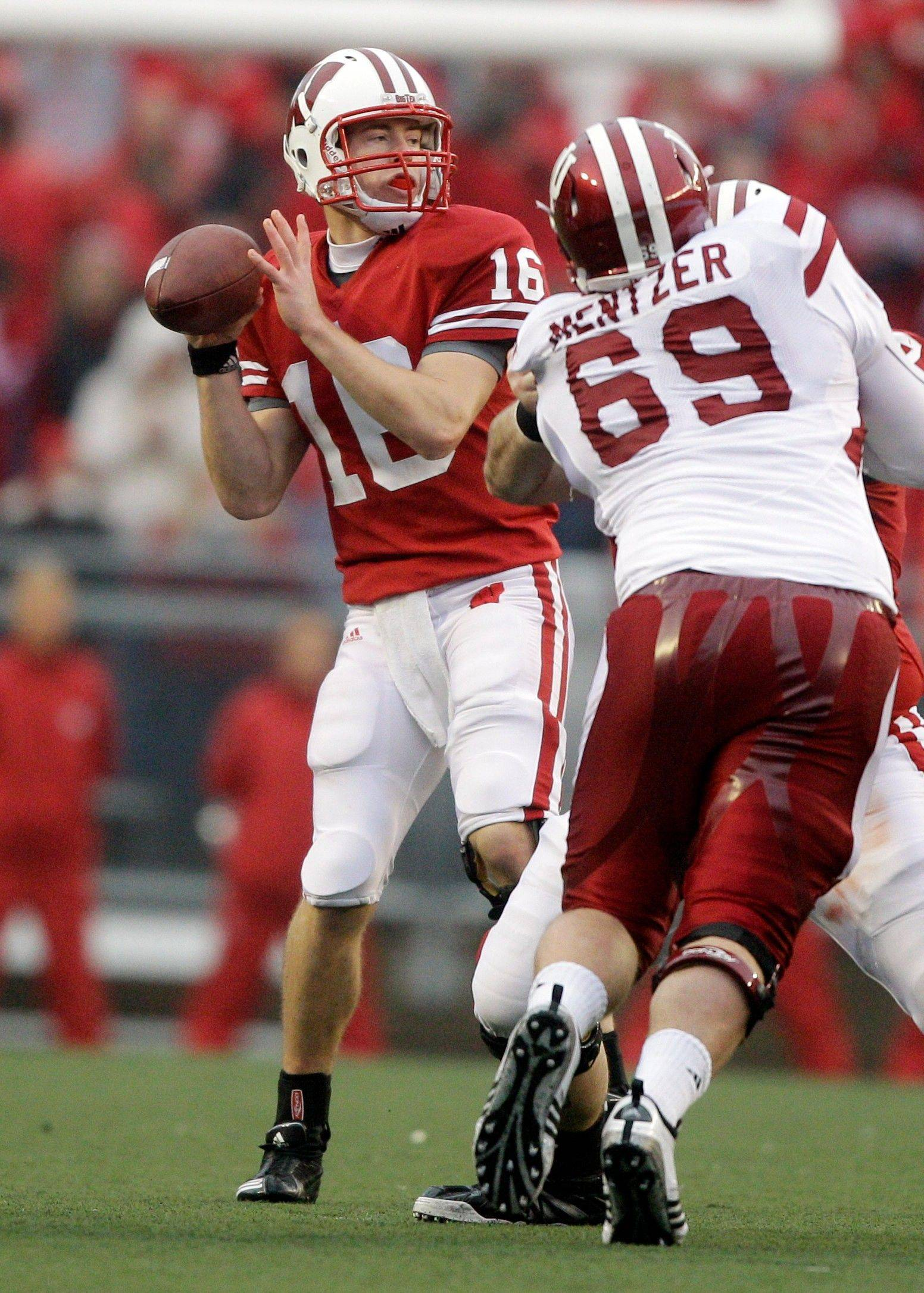 He manages the game as well as anyone in the Big Ten, which is why Wisconsin quarterback Scott Tolzien is playing for a Big Ten title on Saturday.