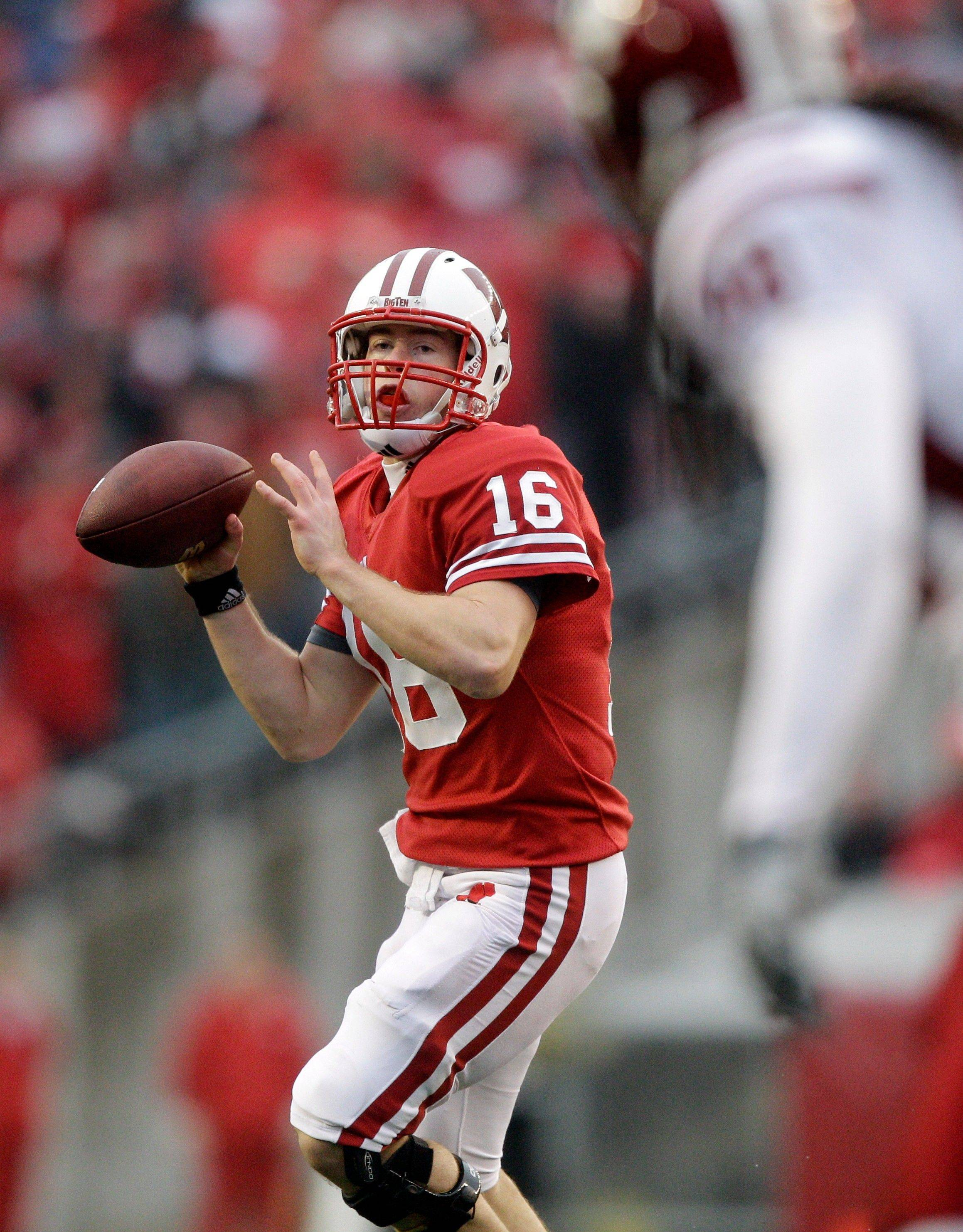 Badgers quarterback Scott Tolzien has Wisconsin in the running for its first BCS bowl bid since 1999.