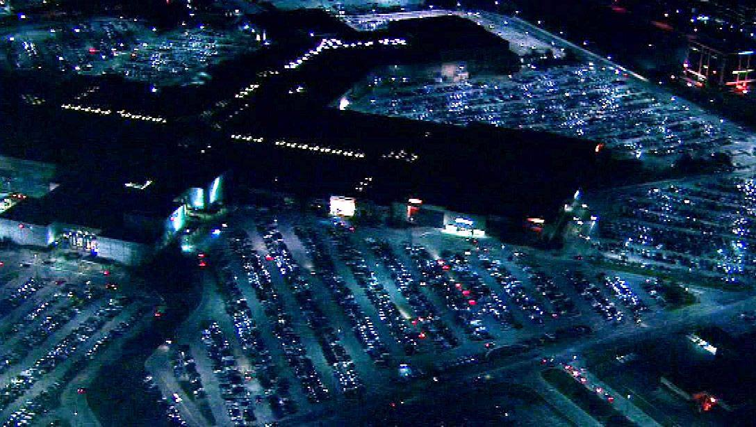The parking lots at Woodfield Mall in Schaumburg were packed before sunrise Friday as shoppers look for Black Friday bargains.