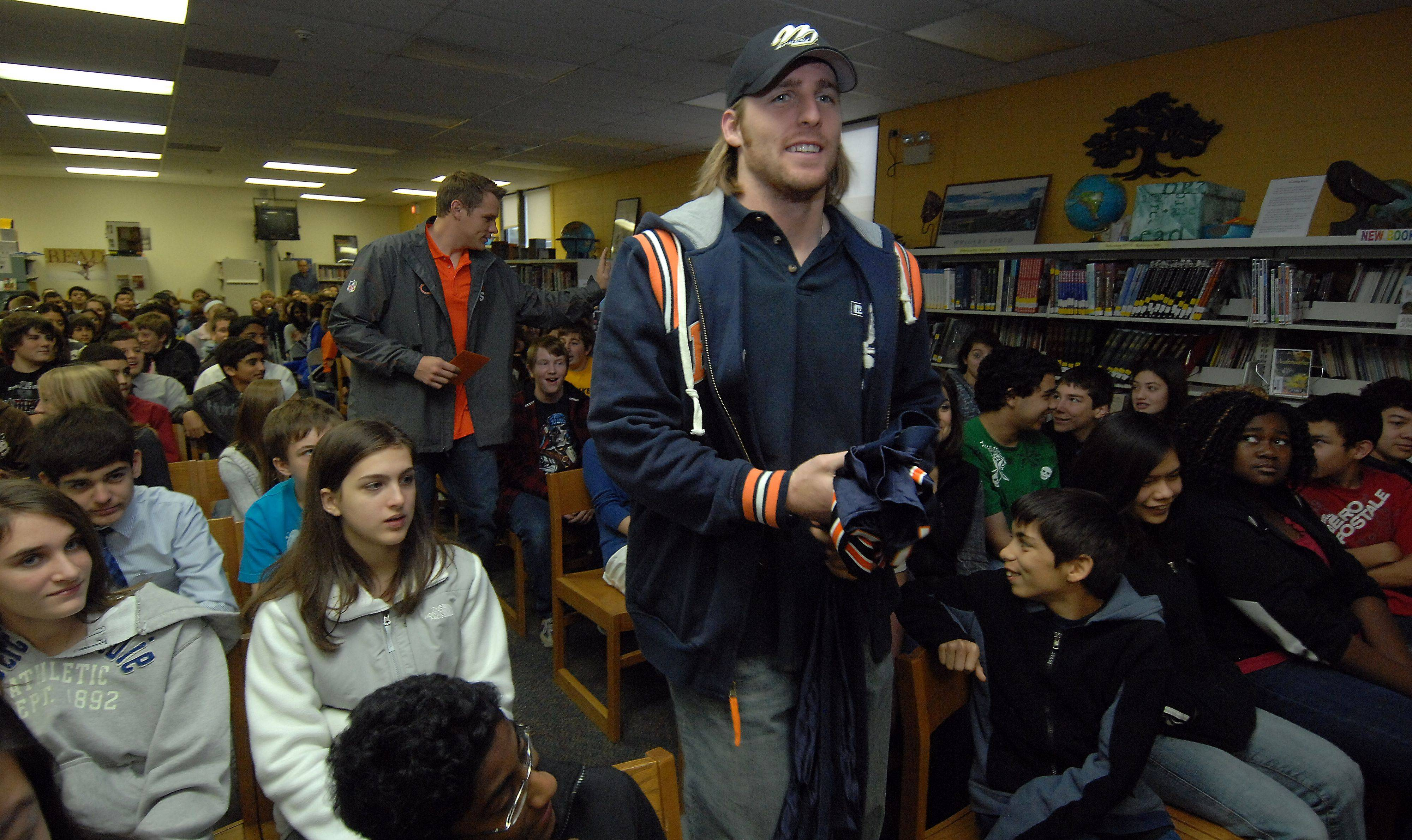"Chicago Bears Craig Steltz and Caleb Hanie made a surprise visit to River Trails Middle School in Mont Prospect on Tuesday morning to recognize eighth grade teacher Jennifer Ritchie with a ""Heroes of the Classroom"" award during a student assembly."
