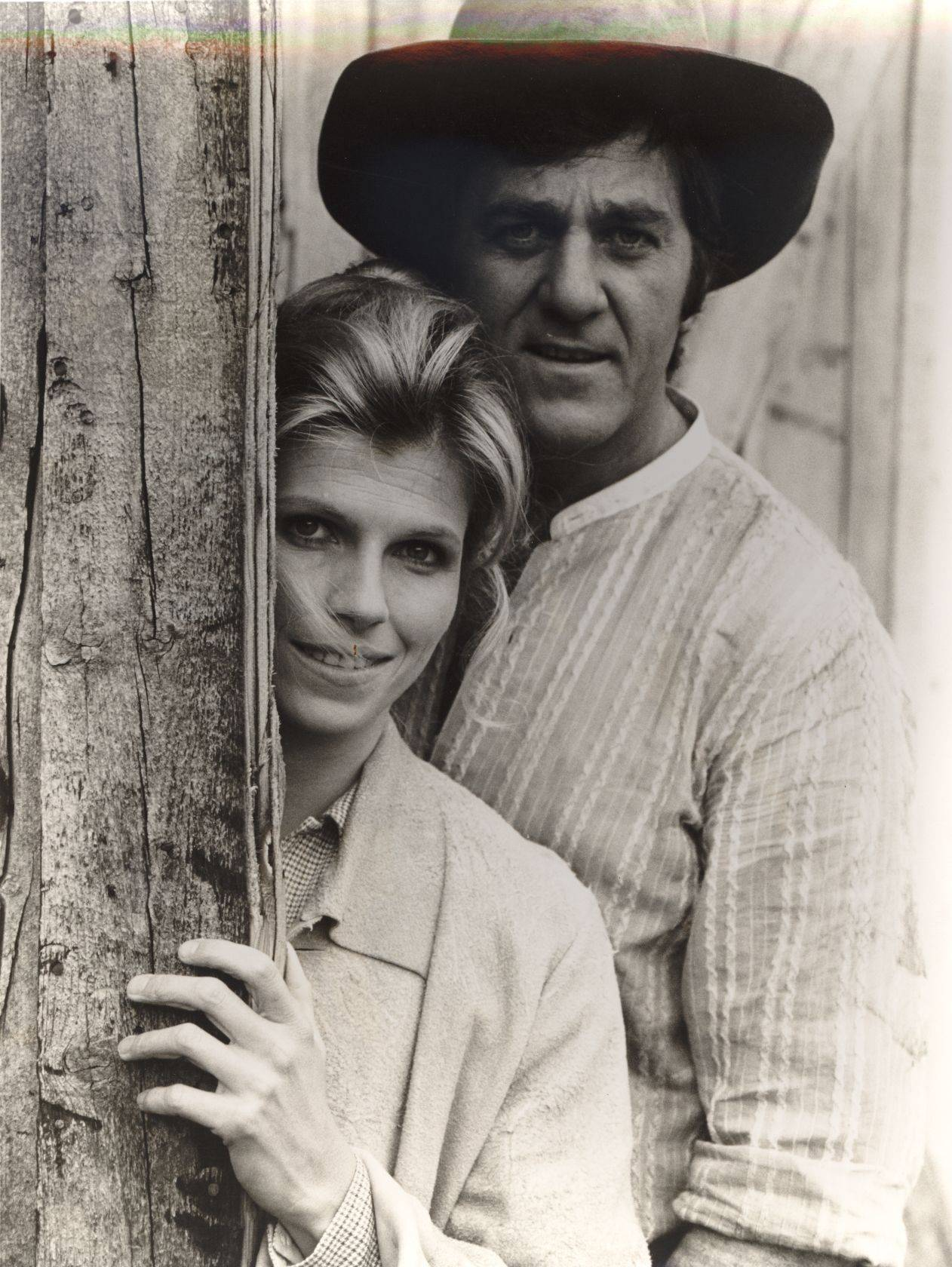 "This 1976 photo provided by NBC shows Jennifer Warren and Don Meredith in a scene from ""Banjo Hackett."" In addition to his broadcasting career, Meredith appeared in several TV shows and movies after his playing career ended."