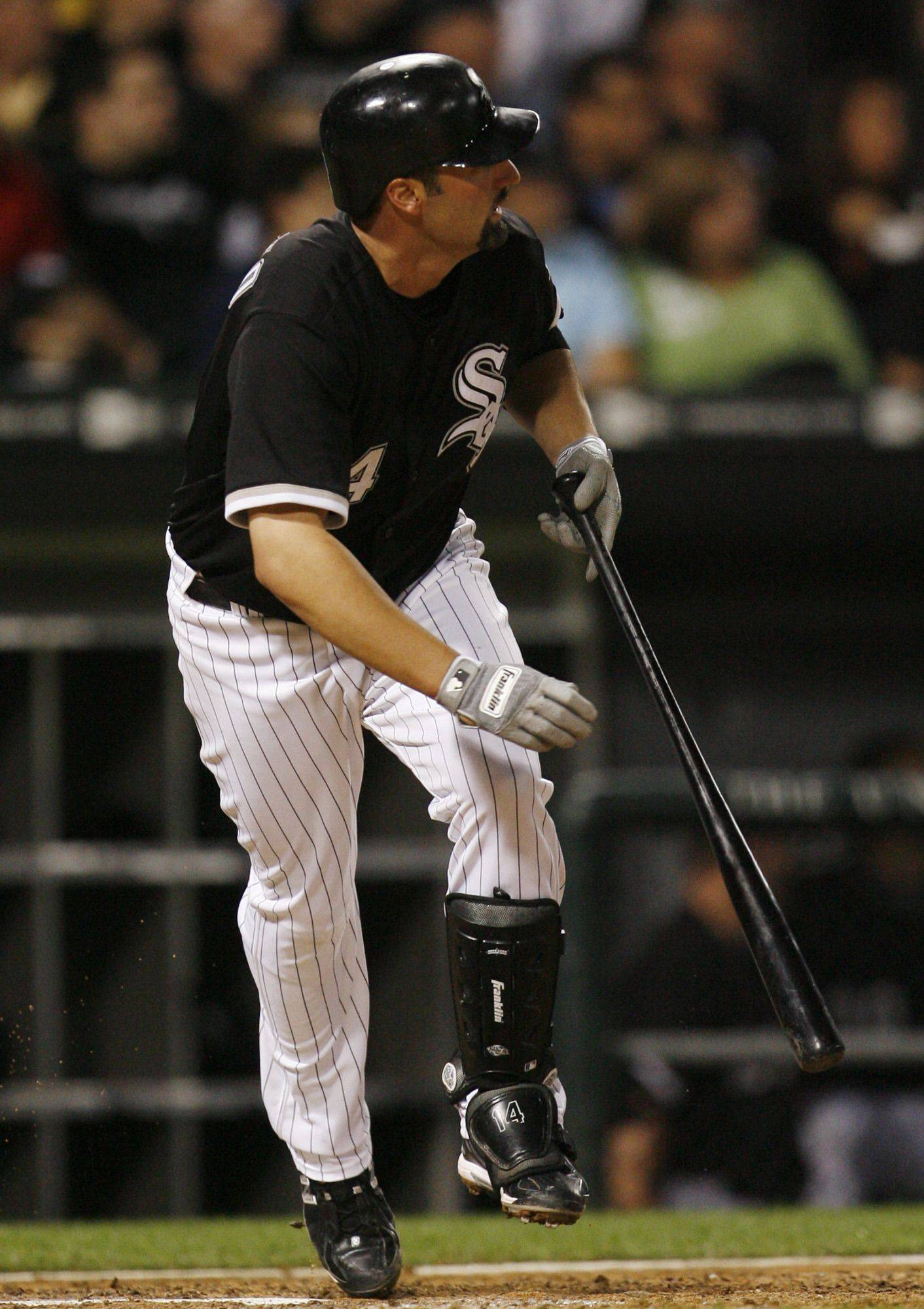 Hopes dim for Sox, Konerko