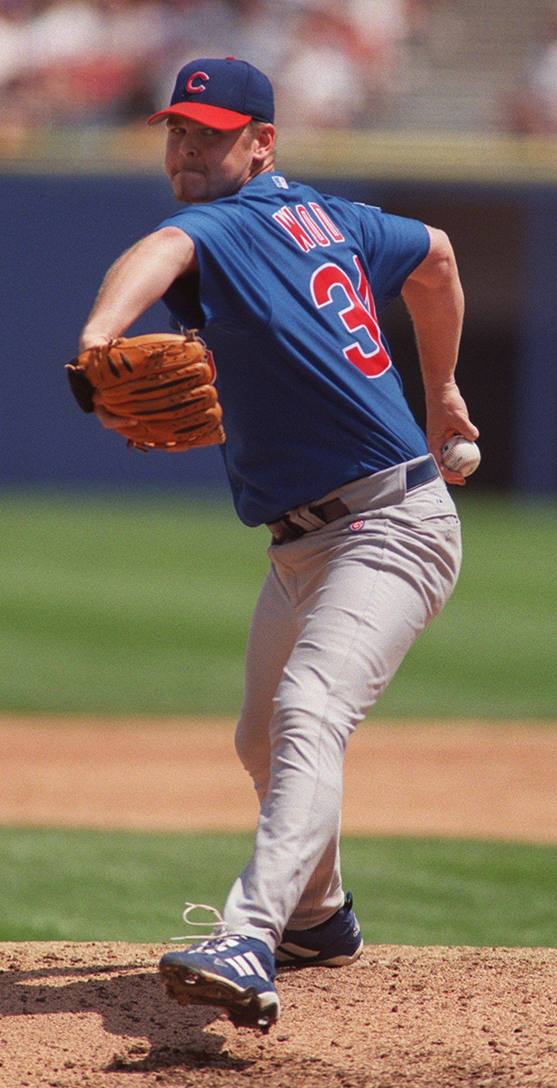 The Cubs' Kerry Wood delivers a pitch against the White Sox in 2003.
