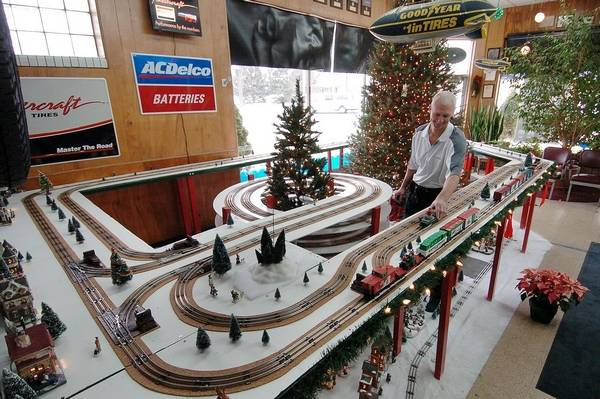 - Auto Center In Palatine Sports Giant Layout For Model Trains