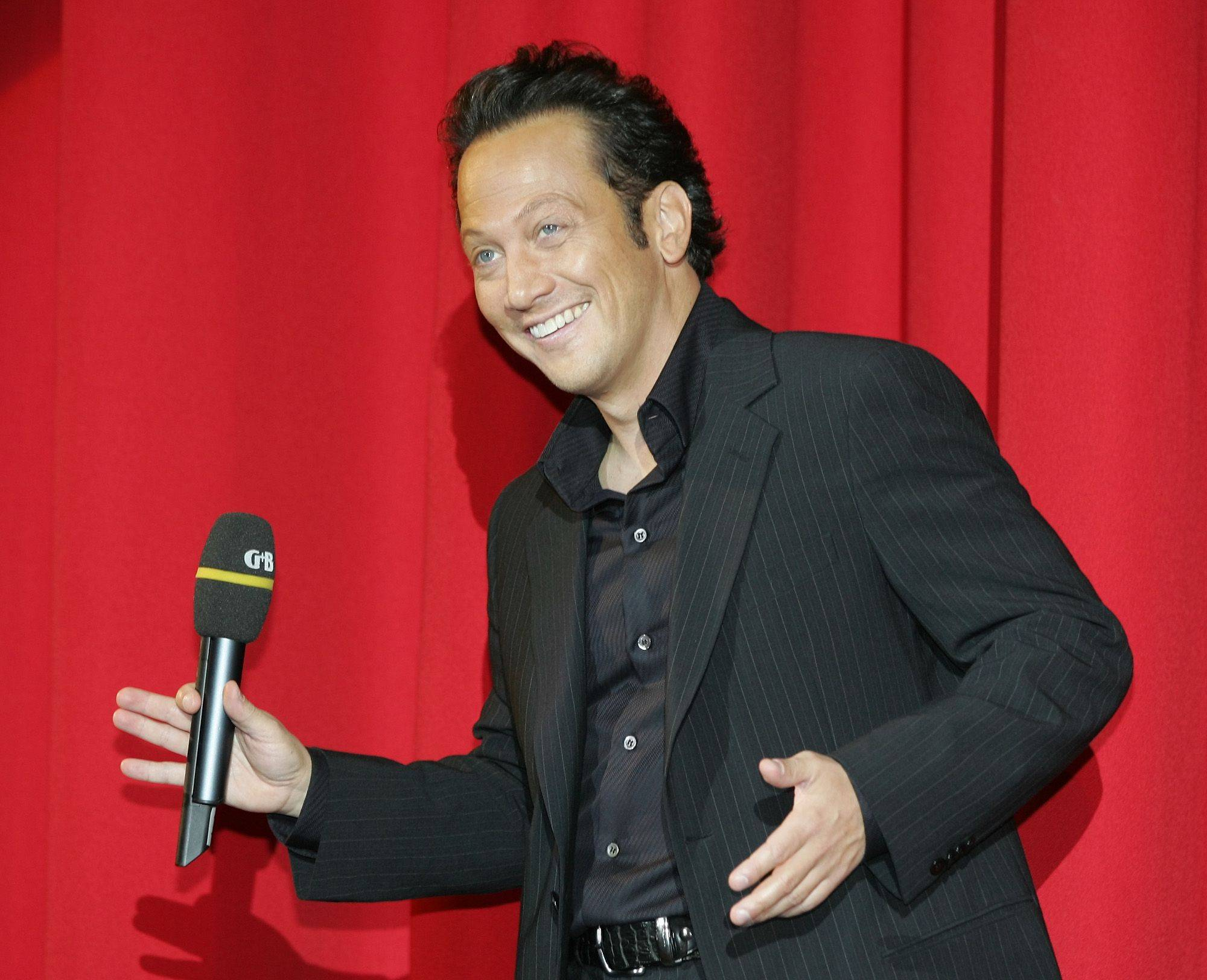 Rob Schneider makes a return to standup comedy at the Improv Comedy Showcase in Schaumburg.