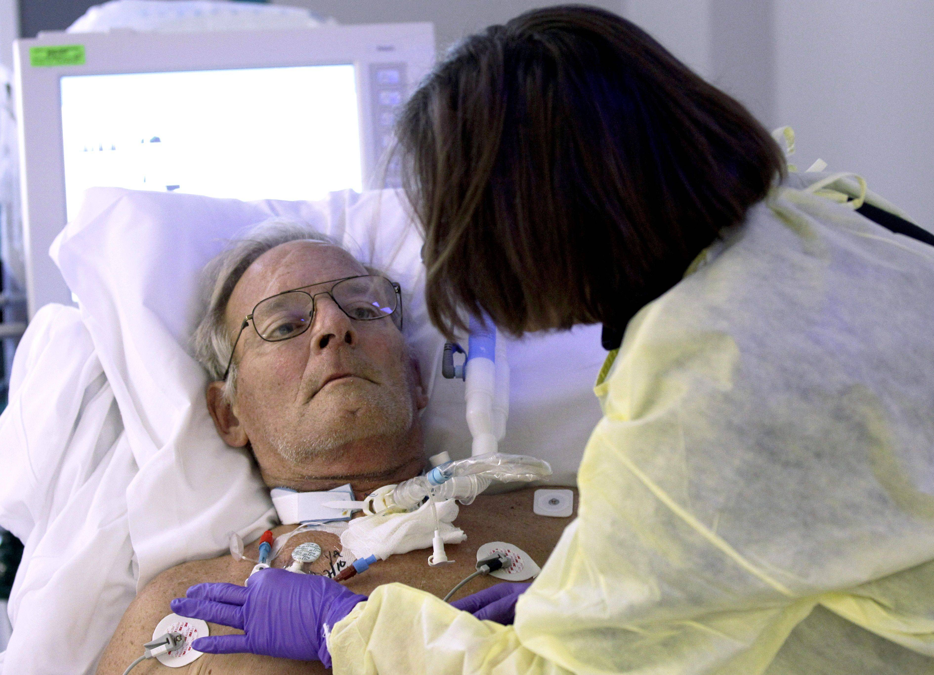 how to become an intensive care specialist