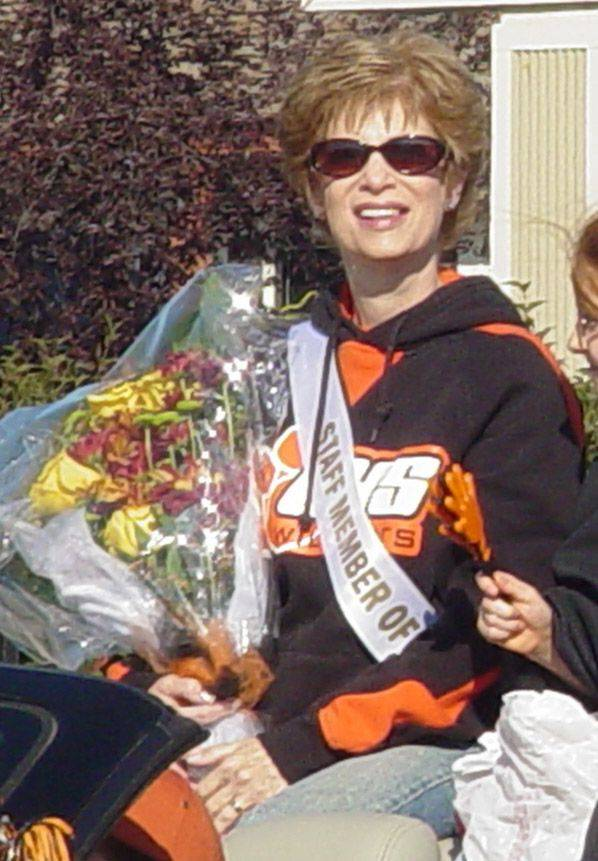 Trudy Kulefsky, 64, a secretary at Libertyville High School, died Oct. 3 after a battle with leukemia.