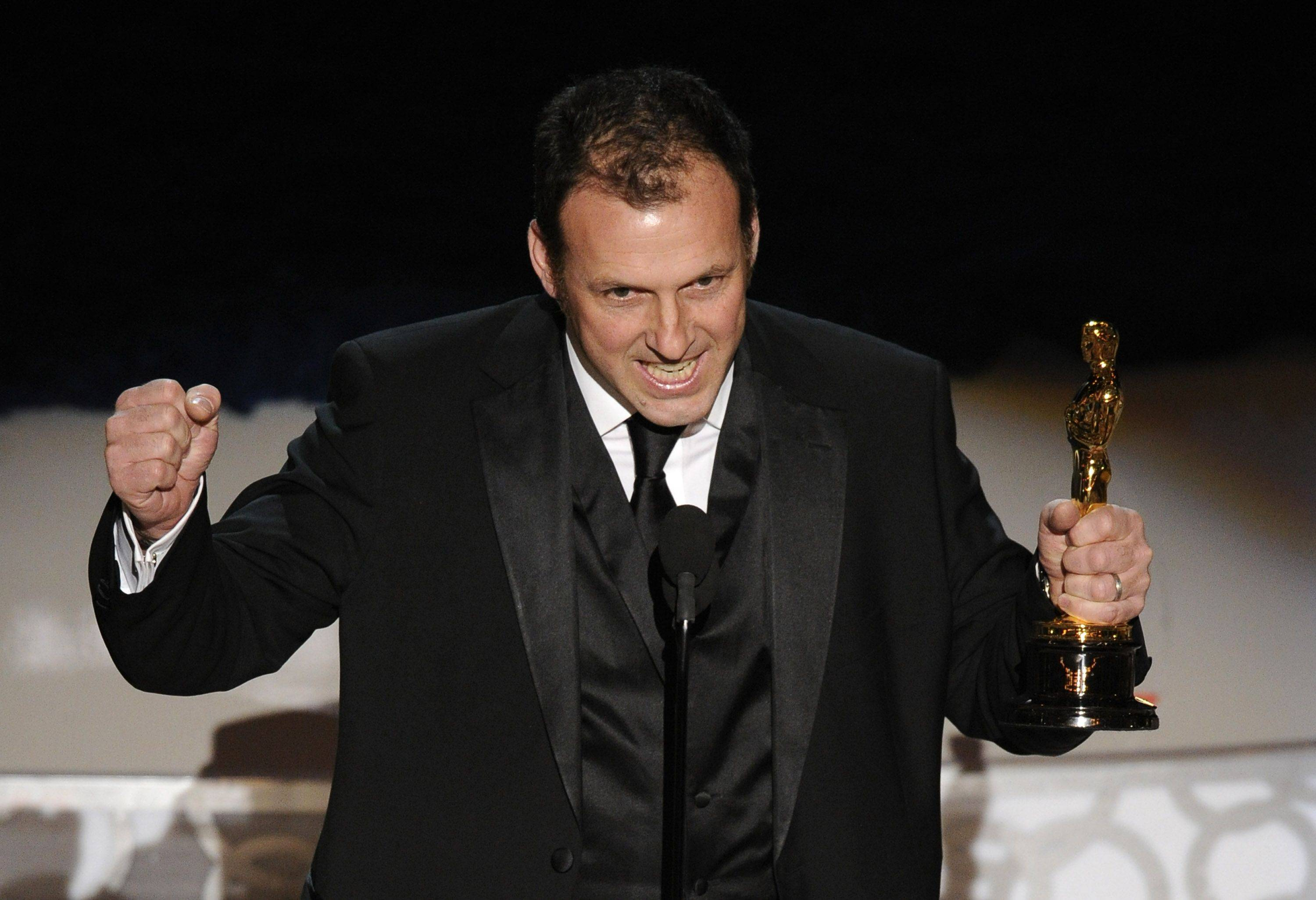 "Mauro Fiore accepts the Oscar for best achievement in cinematography for ""Avatar"" at the 82nd Academy Awards."