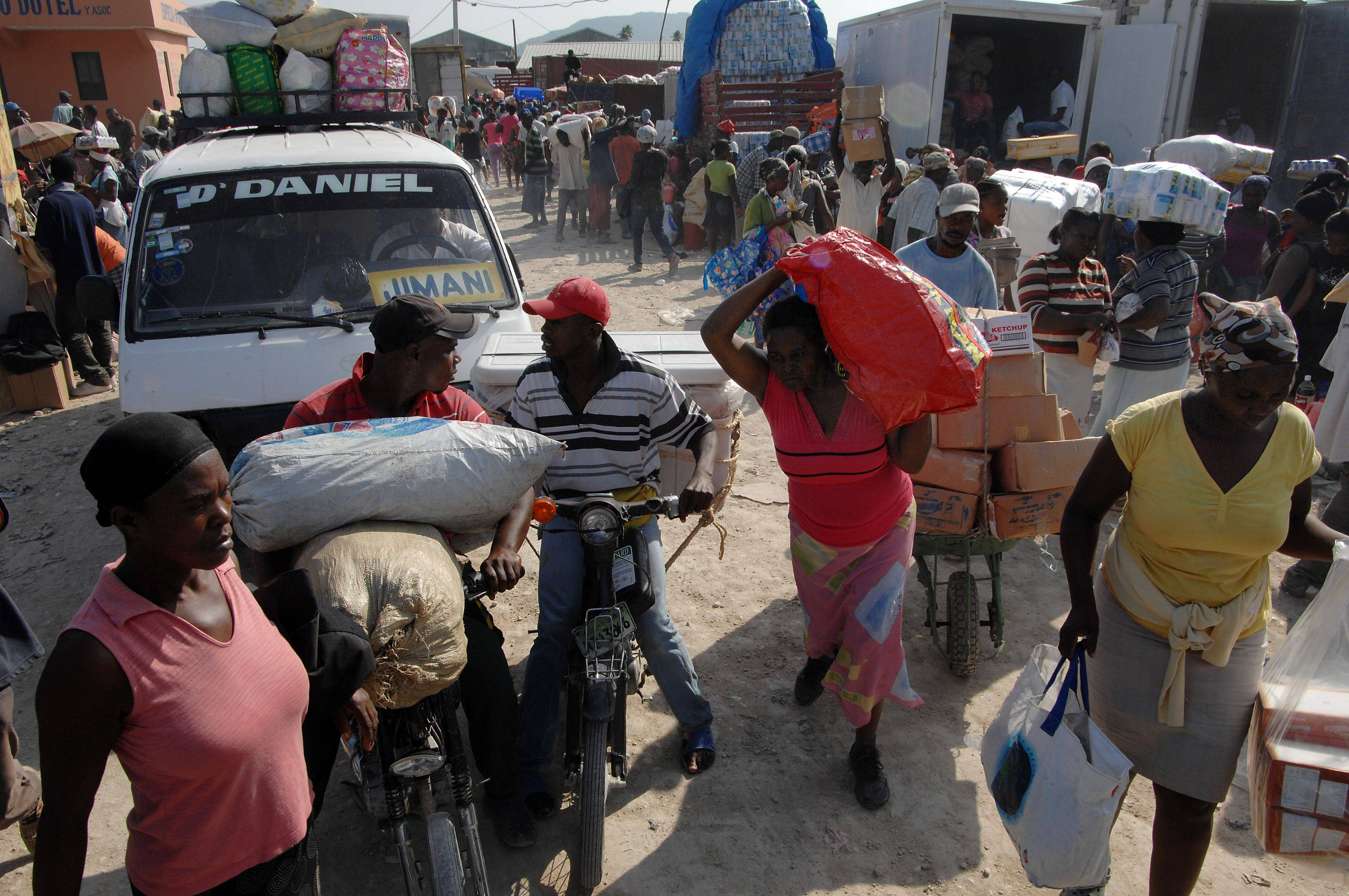 The border Haiti and the Dominican Republic share is jam-packed with a bustle of activity.