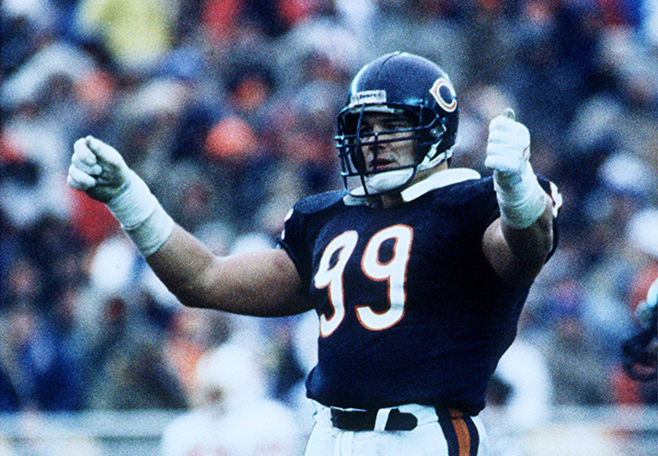 Impervious to the cold and most offensive lineman, Bears' Hall-of-Famer Dan Hampton played in short sleeves in subfreezing temperatures during a memorable Bears playoff win 25 years ago at Soldier Field.