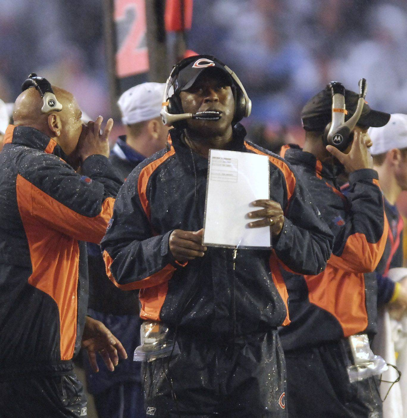 Bears head coach Lovie Smith, in 2007 as the Bears fell apart in the second half of Super Bowl XLI.