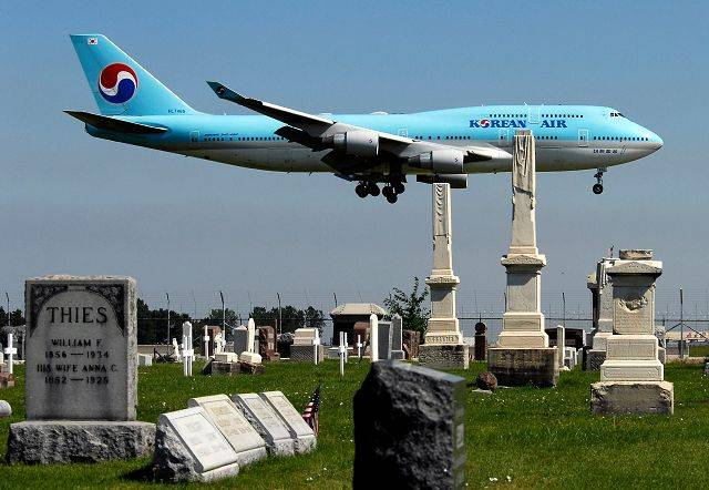 The Illinois Supreme Court cleared the way Wednesday for the city of Chicago to begin relocating about 1,200 graves from St. Johannes Cemetery in Bensenville to make way for a new runway at O'Hare International Airport.