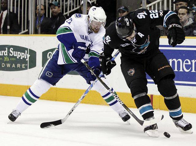"4. Daniel Sedin, Vancouver The ""other� Sedin is third in the league in scoring behind Stamkos and Crosby with 64 points, and tied for third with 27 goals."