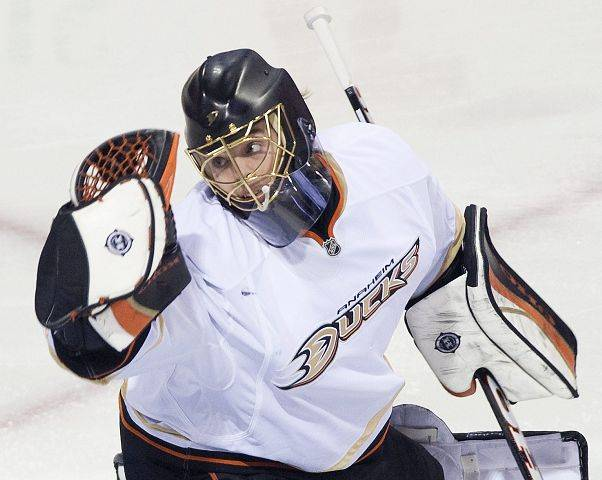 5. Jonas Hiller, Anaheim The Ducks are fifth in the Western Conference thanks to his 25 wins and .926 save percentage.