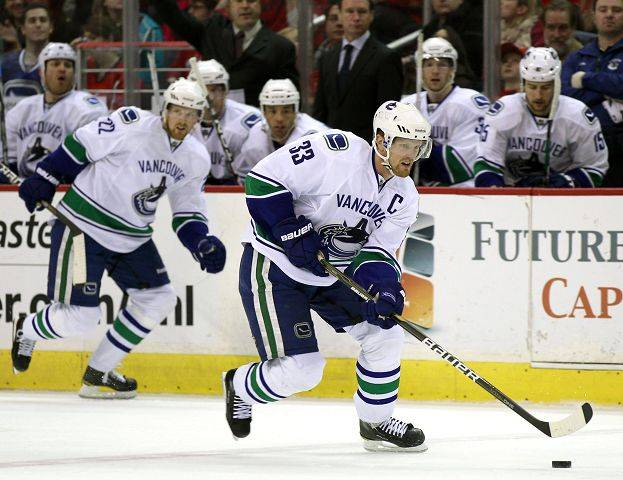 6.Henrik Sedin, Vancouver Is he the best playmaker in the game? His 50 assists, 10 more than anyone else, say yes.
