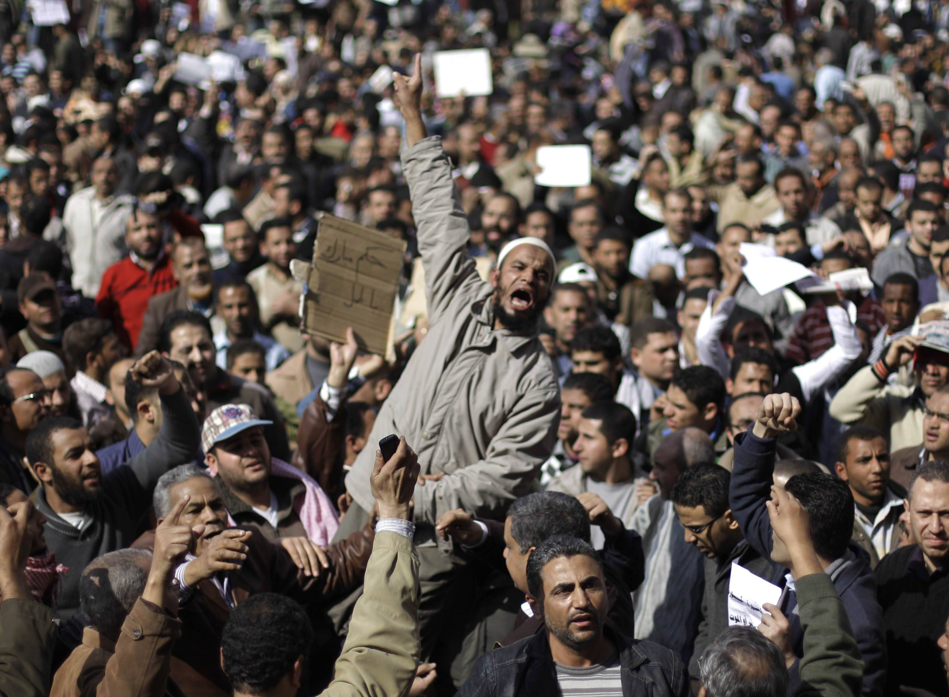 Egypt military promises no force against protests