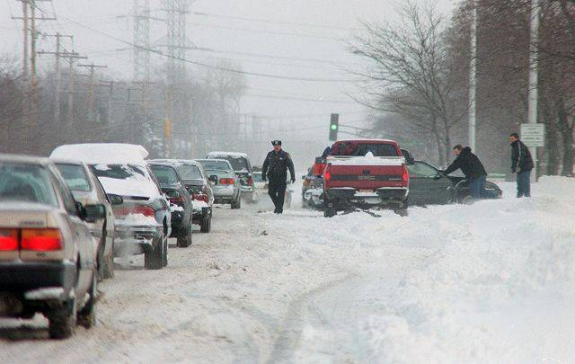 Driving woes in the Northwest suburbs during the blizzard of 1999.