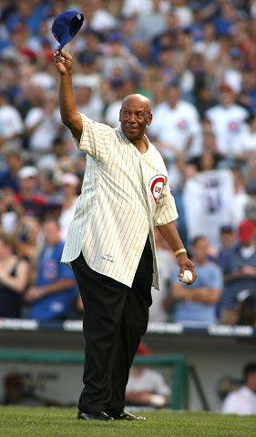 Ernie Banks throws out the first pitch in Game 3 of the 2007 National League divisional playoffs.
