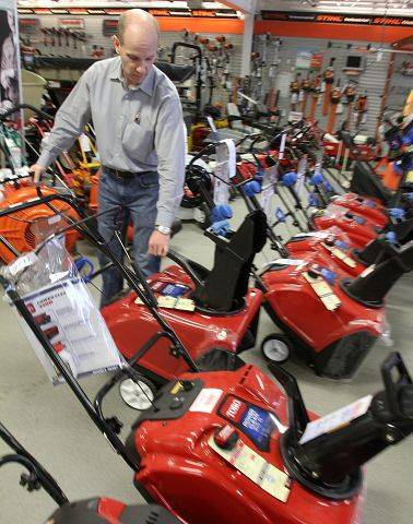 Palatine snowblower business expecting influx of customers