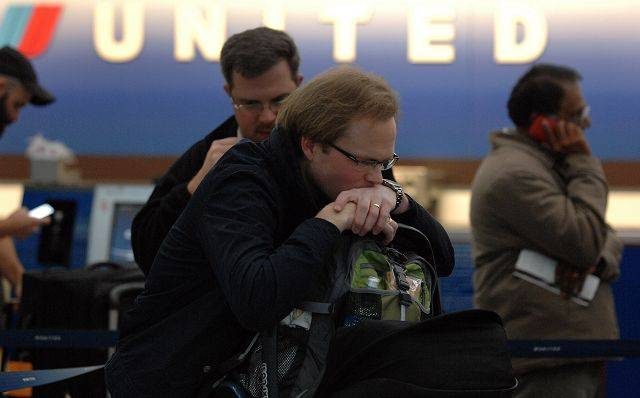 Paralysis: Rail, airlines began canceling early