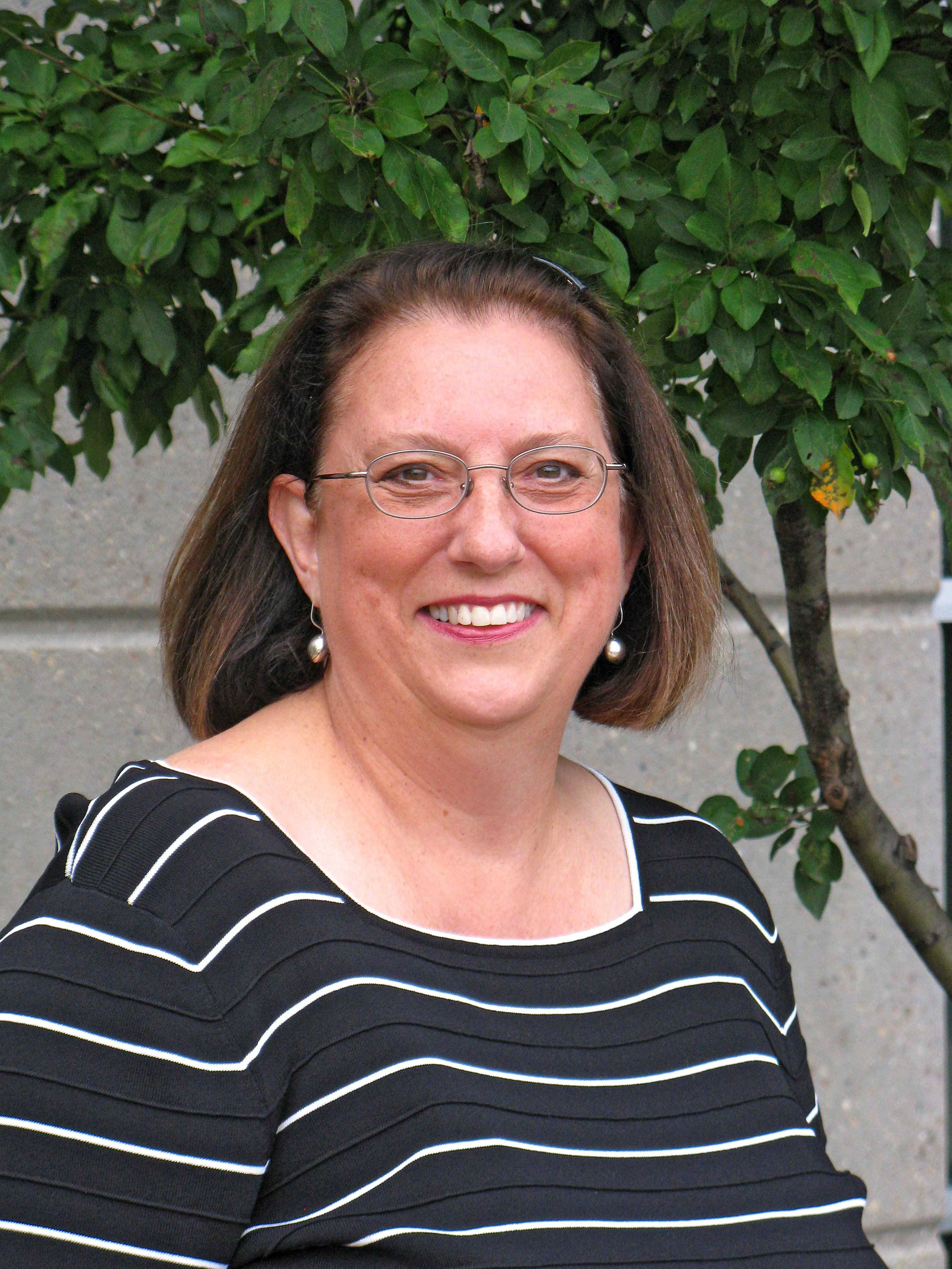 Dorothy Lange, running for Fenton H.S. D100