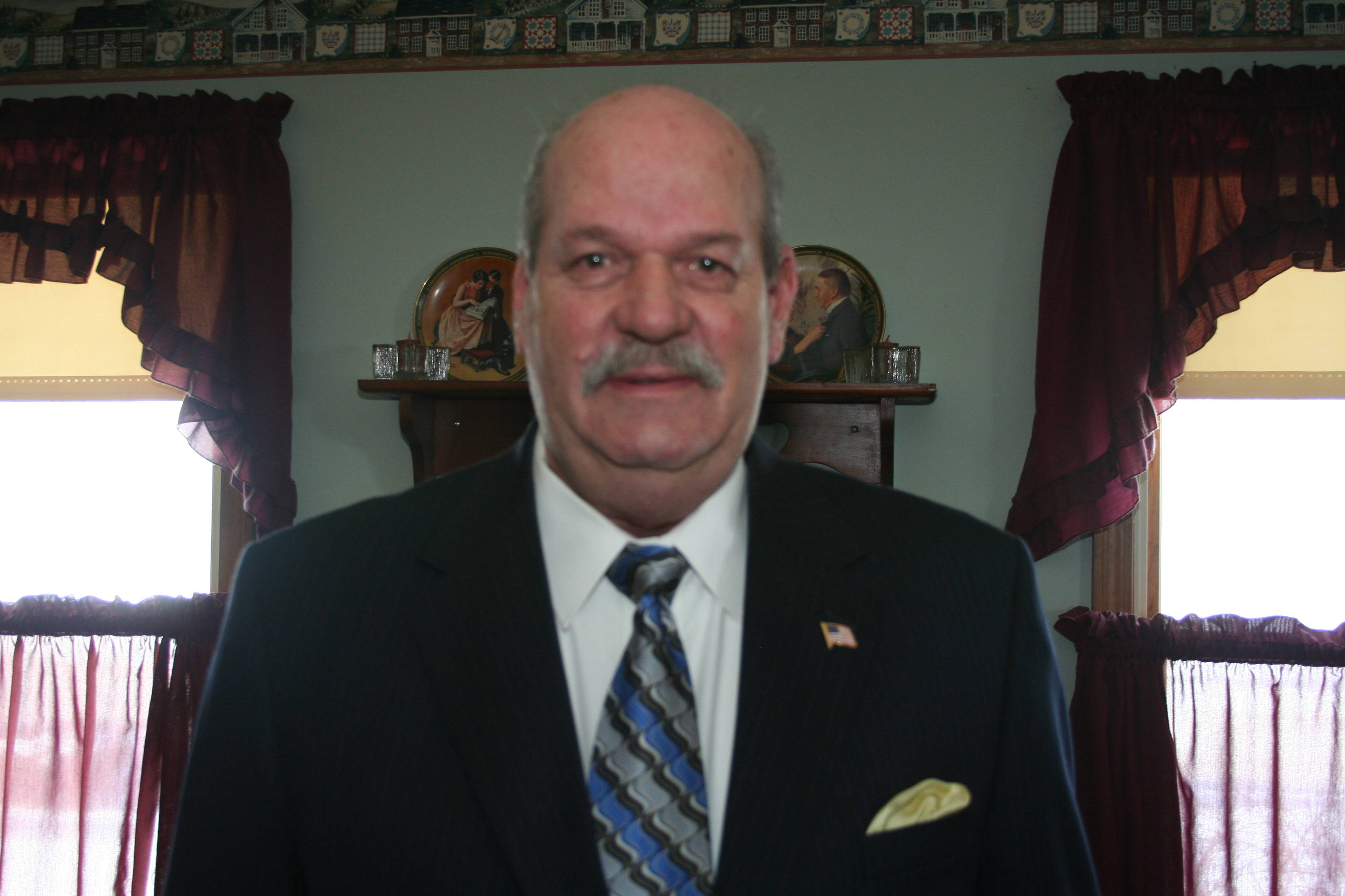 Lawrence W. Buske, running for Rolling Meadows Alderman, Ward 3