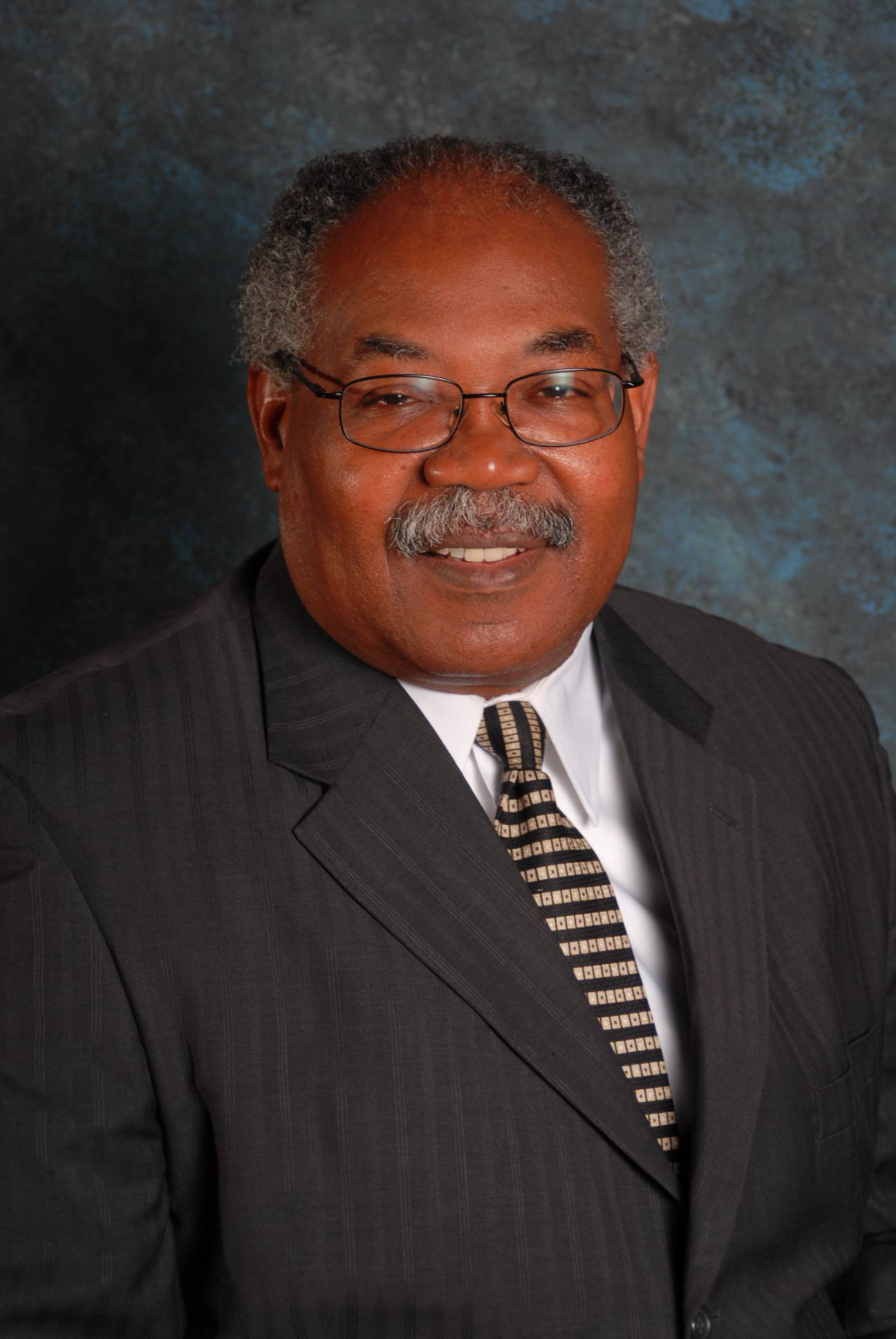 Willie L. Rhodes, running for Keeneyville Elementary D20