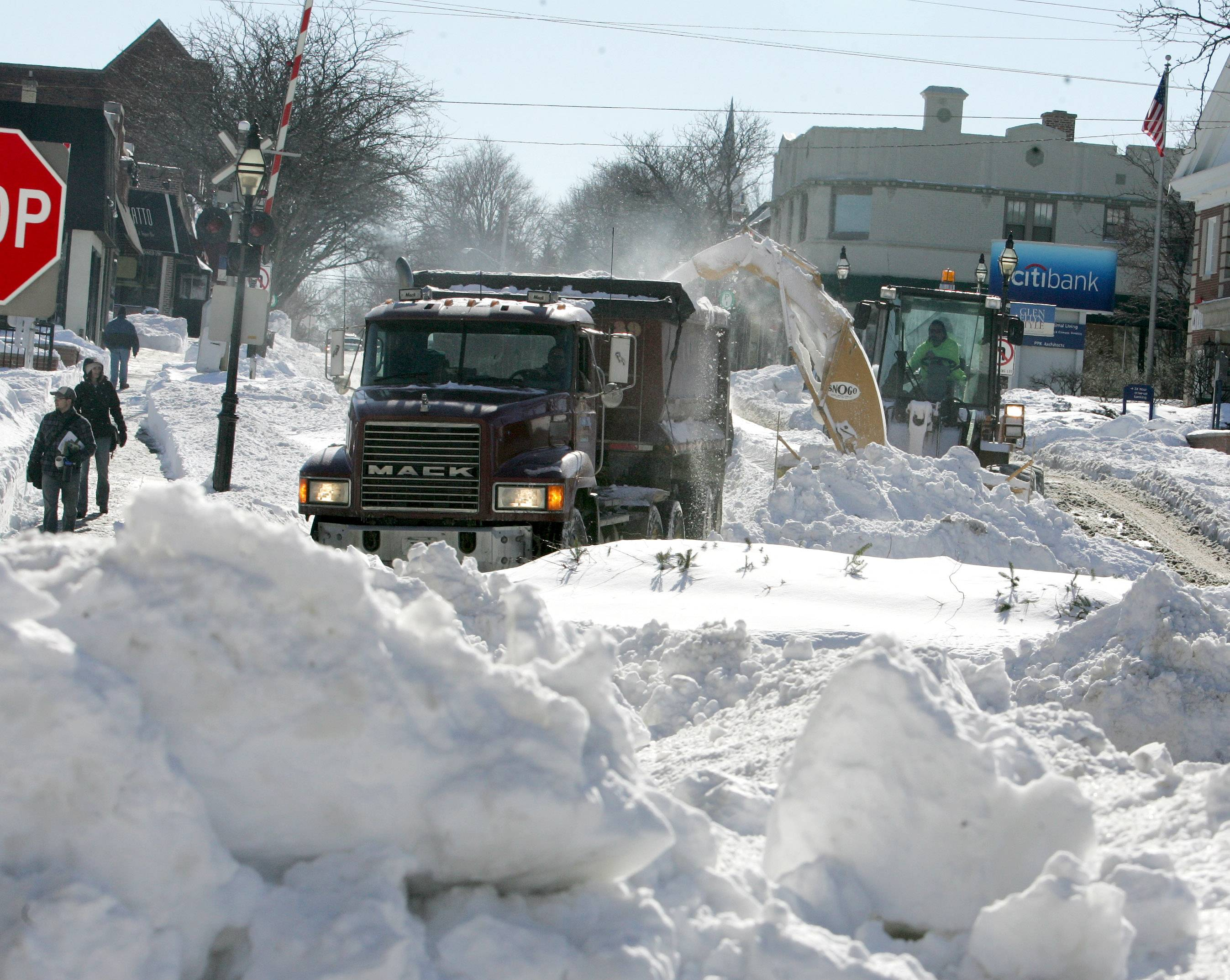 Blizzard's death toll rises to nine in suburbs