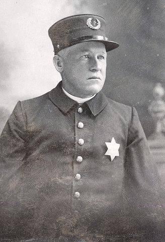 Daniel Gahan, Elgin's chief of police in 1911