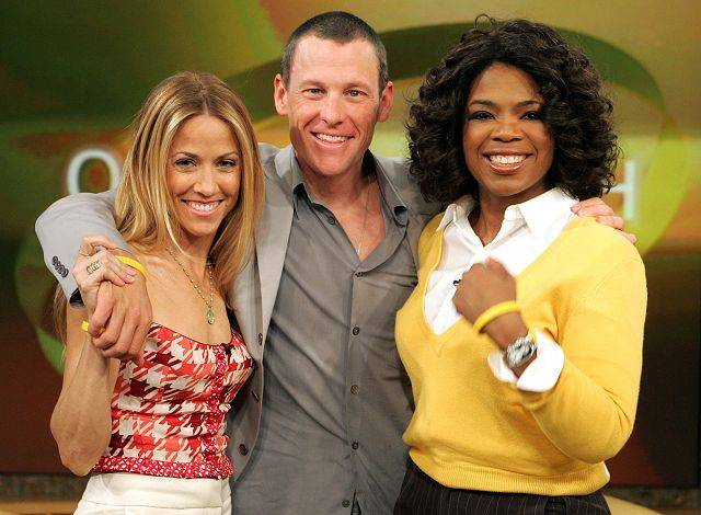 Lance Armstrong's fame extended beyond cycling. In 2005, he appeared on the Oprah Winfrey show with then-fiancee Sheryl Crow.