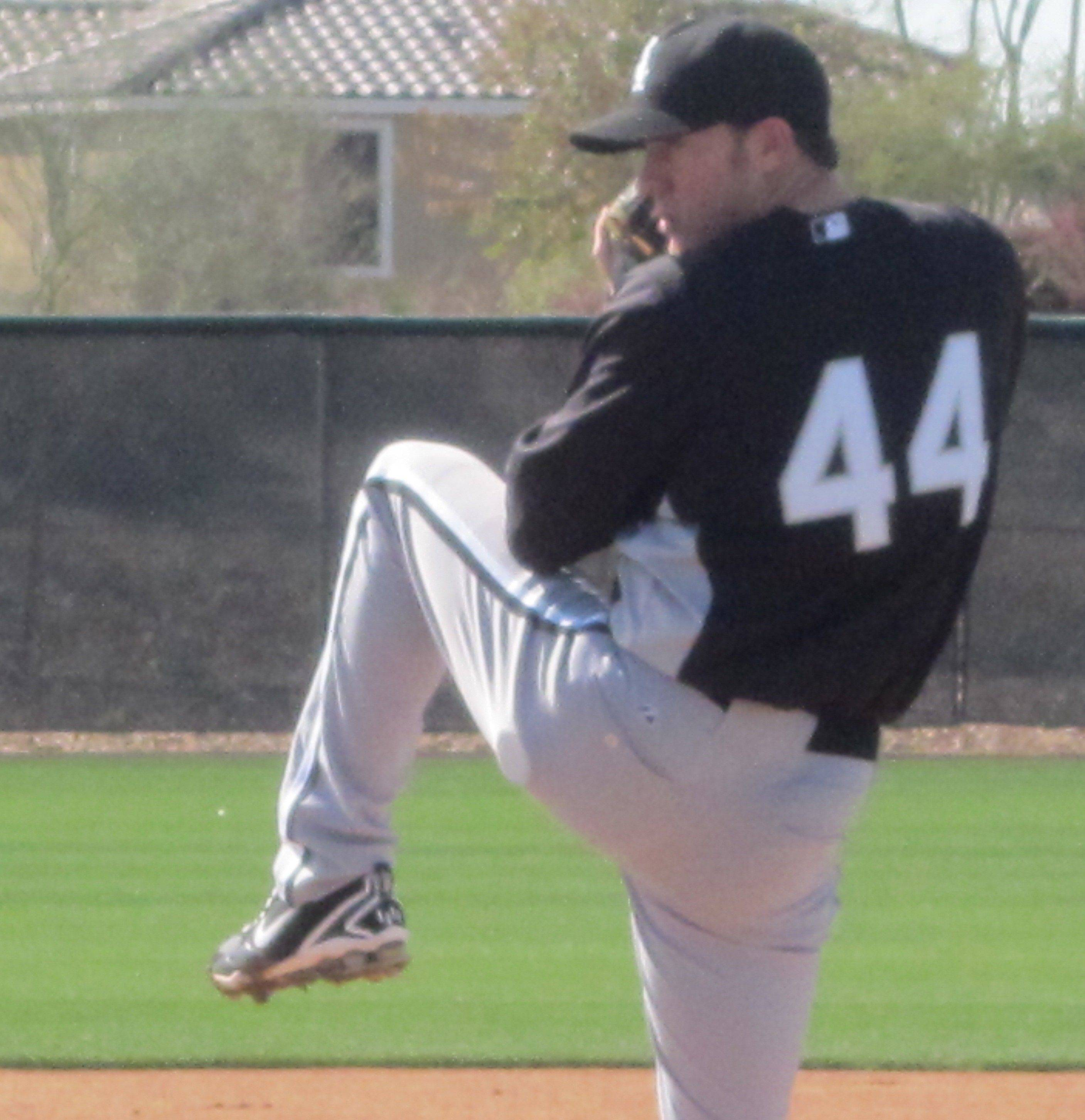 Jake Peavy gets in sme work Monday at the White Sox training facilities in Glendale, Ariz.